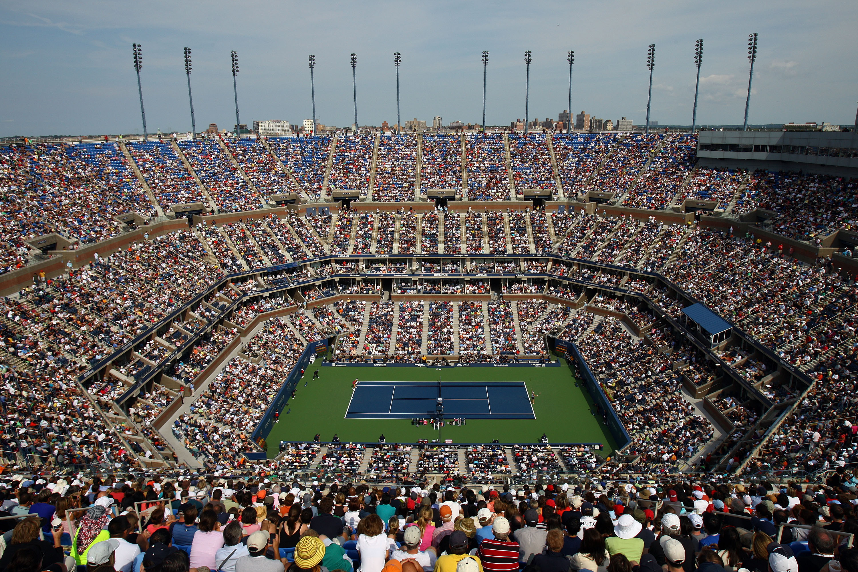 NEW YORK - SEPTEMBER 07:  A view from above of the Melanie Oudin of the United States vs Nadia Petrova of Russia match at Arthur Ashe Stadium during day eight of the 2009 U.S. Open at the USTA Billie Jean King National Tennis Center on September 7, 2009 i