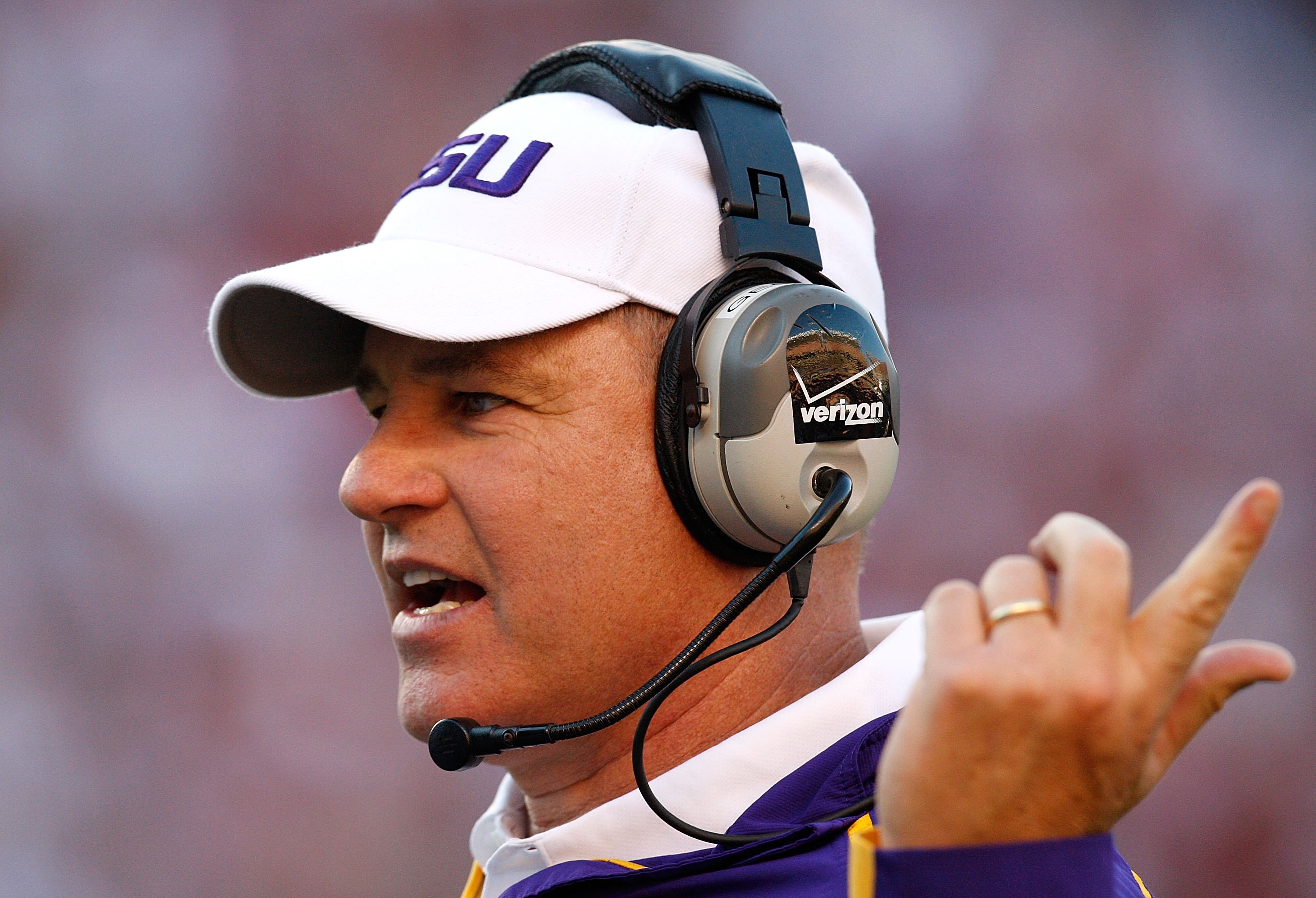 Is Coach Les Miles on the Hot Seat?
