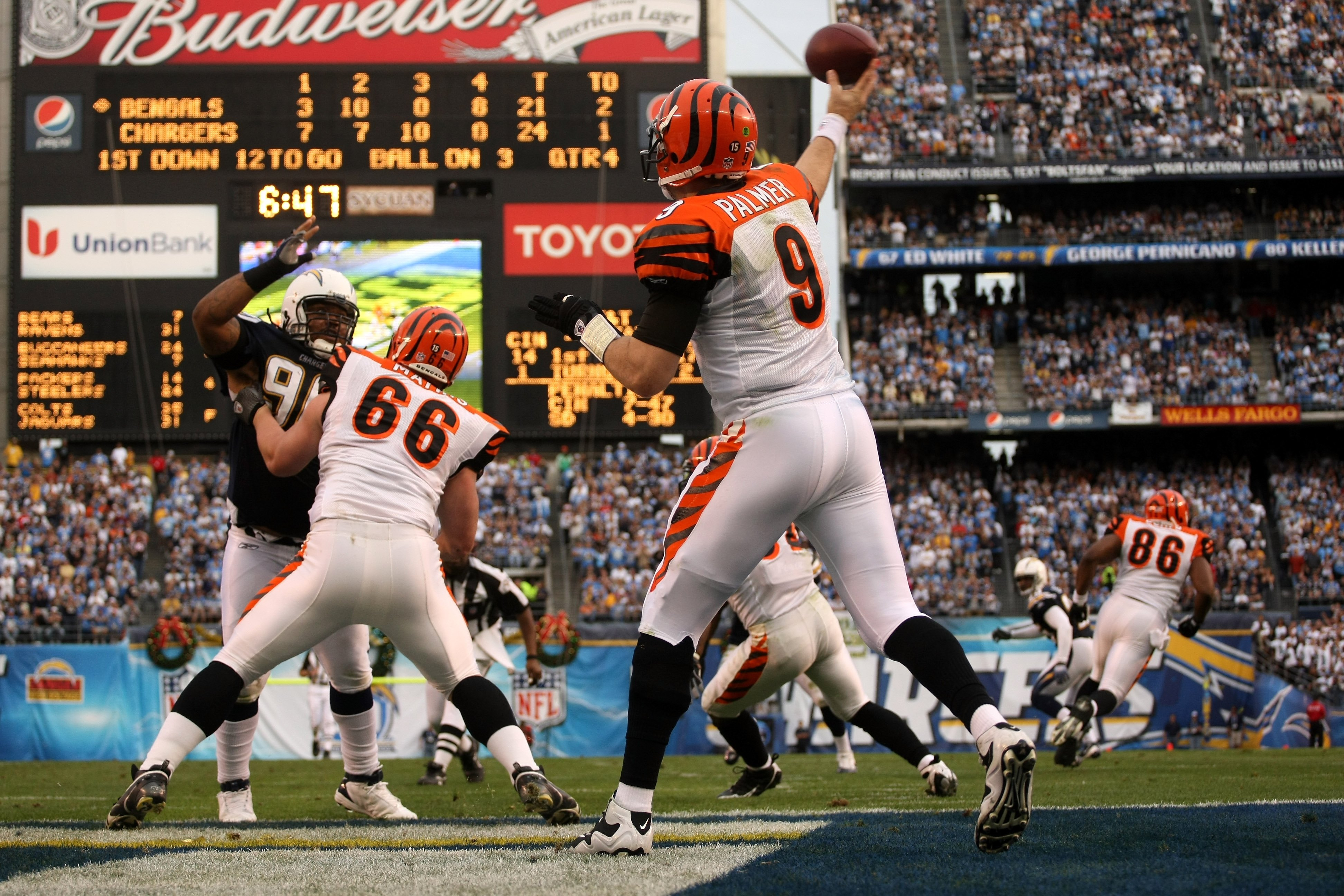 SAN DIEGO - DECEMBER 20:  Quarterback Carson Palmer #3 of the Cincinnati Bengals throws from the end zone against the San Diego Chargers on December 20, 2009 at Qualcomm Stadium in San Diego, California.  The Chargers won 27-24.  (Photo by Stephen Dunn/Ge