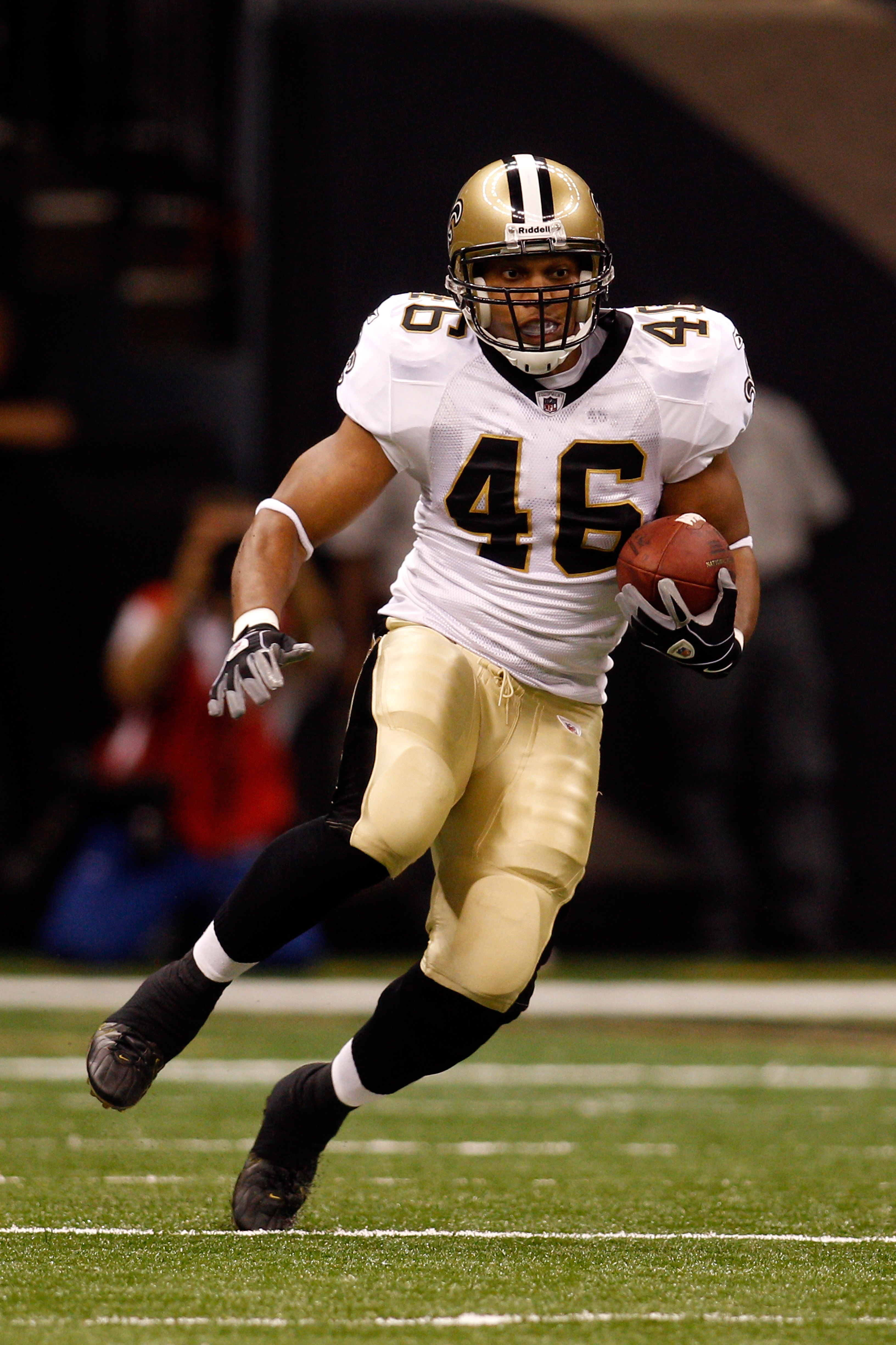 NEW ORLEANS - AUGUST 27:  Ladell Betts #46 of the New Orleans Saints in action against the San Diego Chargers at the Louisiana Superdome on August 27, 2010 in New Orleans, Louisiana.  (Photo by Chris Graythen/Getty Images)