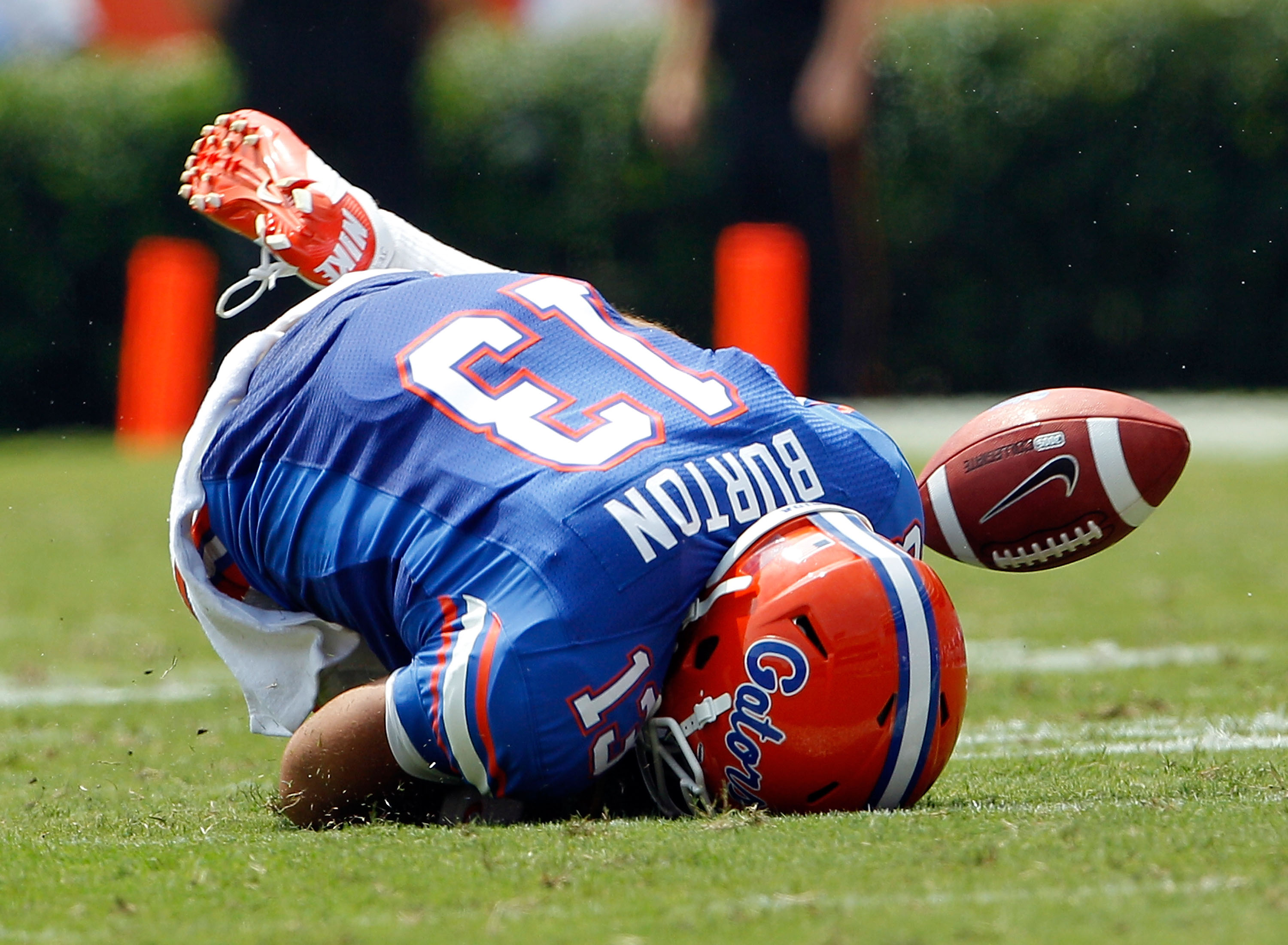 GAINESVILLE, FL - SEPTEMBER 04:  Trey Burton #13 of the Florida Gators attempts a reception against  the Miami University RedHawks at Ben Hill Griffin Stadium on September 4, 2010 in Gainesville, Florida.  (Photo by Sam Greenwood/Getty Images)