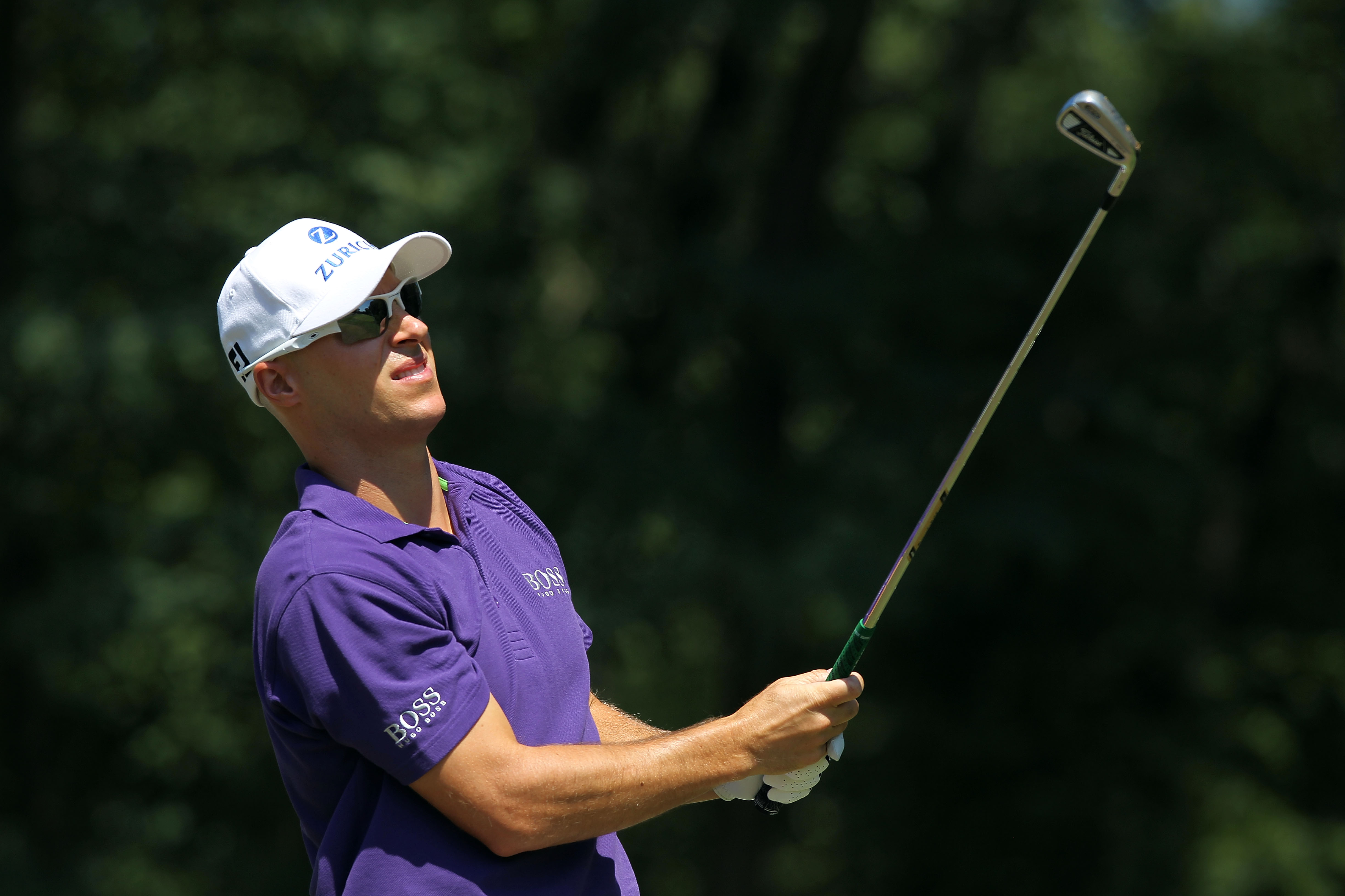 PARAMUS, NJ - AUGUST 28:  Ben Crane watches his tee shot on the second hole during the third round of The Barclays at the Ridgewood Country Club on August 28, 2010 in Paramus, New Jersey.  (Photo by Hunter Martin/Getty Images)