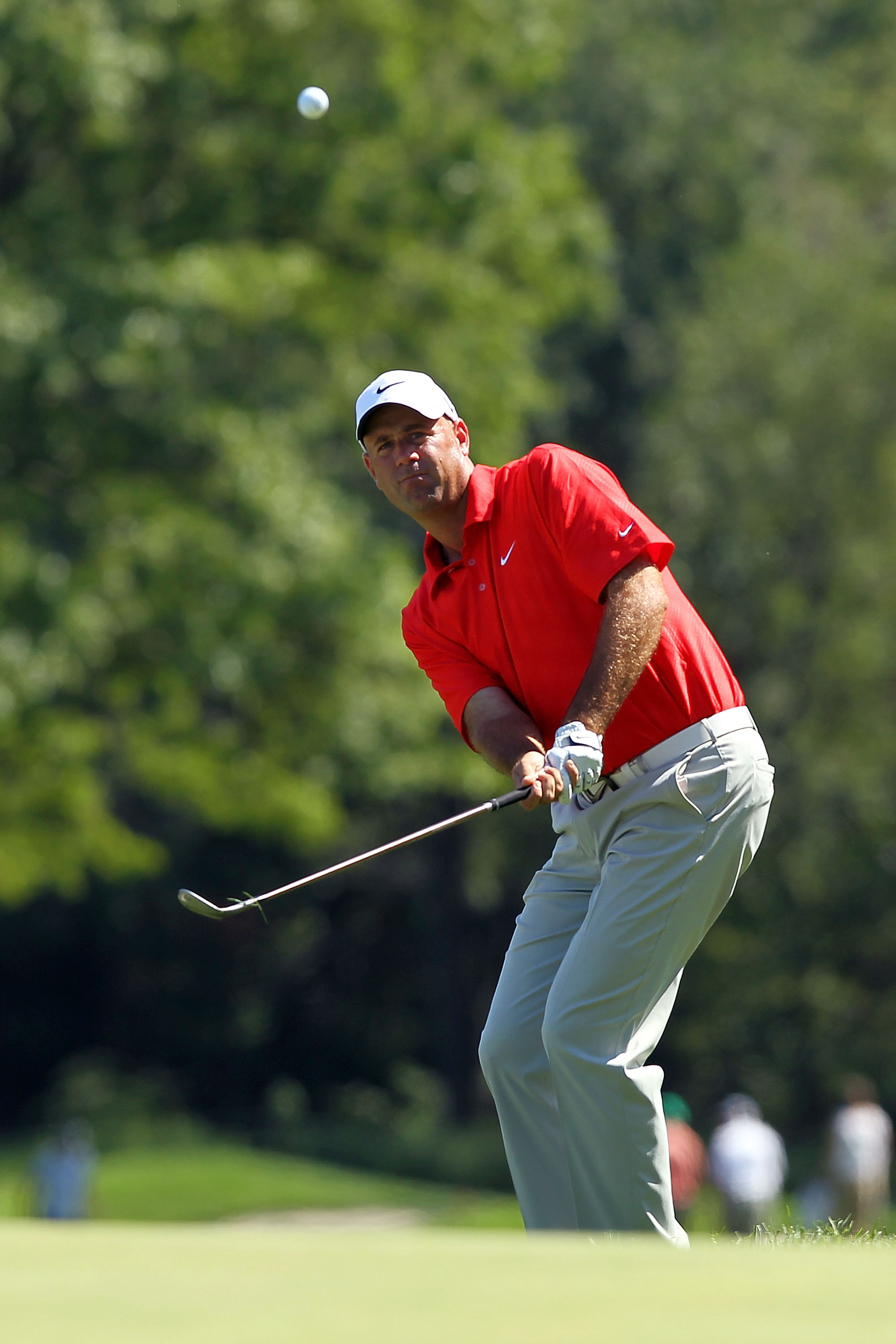 PARAMUS, NJ - AUGUST 28:  Stewart Cink pitches to the fifth green during the third round of The Barclays at the Ridgewood Country Club on August 28, 2010 in Paramus, New Jersey.  (Photo by Hunter Martin/Getty Images)