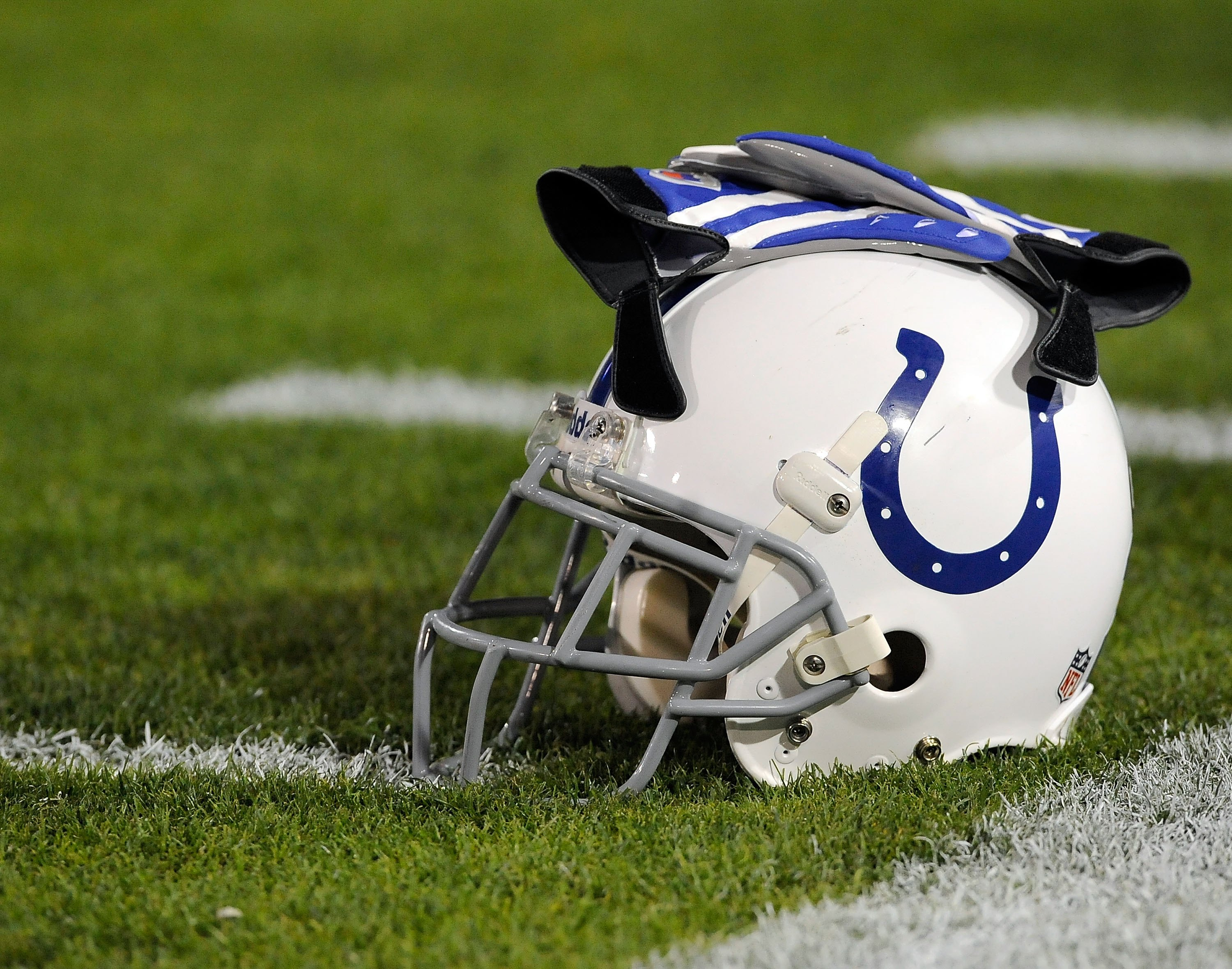 JACKSONVILLE, FL - DECEMBER 18:  A helmet and gloves of the Indianapolis Colts on the sidelines prior to the game against the Jacksonville Jaguars at Jacksonville Municipal Stadium on December 18, 2008 in Jacksonville, Florida.  (Photo by Sam Greenwood/Ge