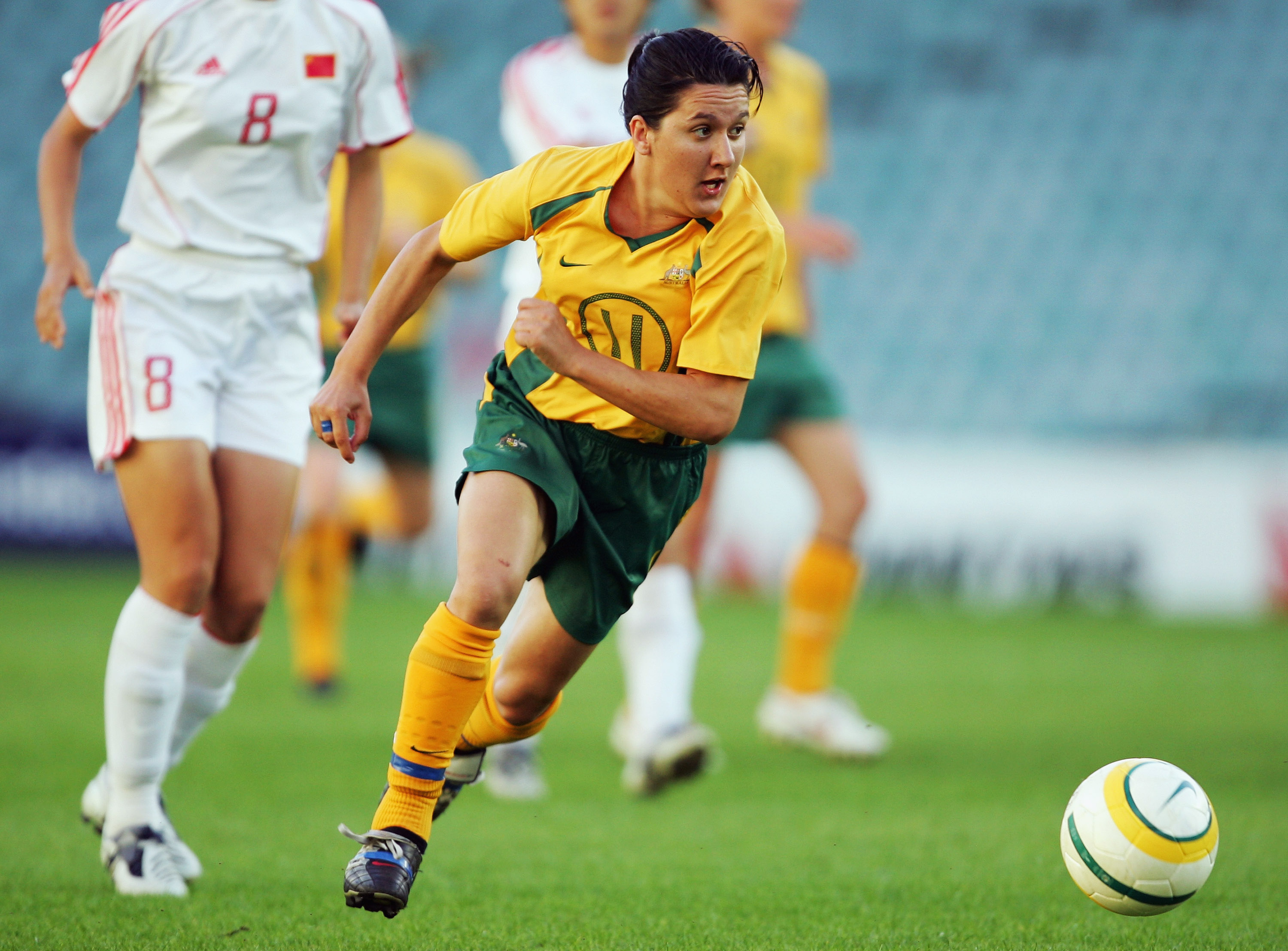SYDNEY, AUSTRALIA - DECEMBER 03:   Lisa De Vanna  of Australia in action during the International Womens Football match between Australia and China at Aussie Stadium December 3, 2005 in Sydney, Australia. (Photo by Matt King/Getty Images)
