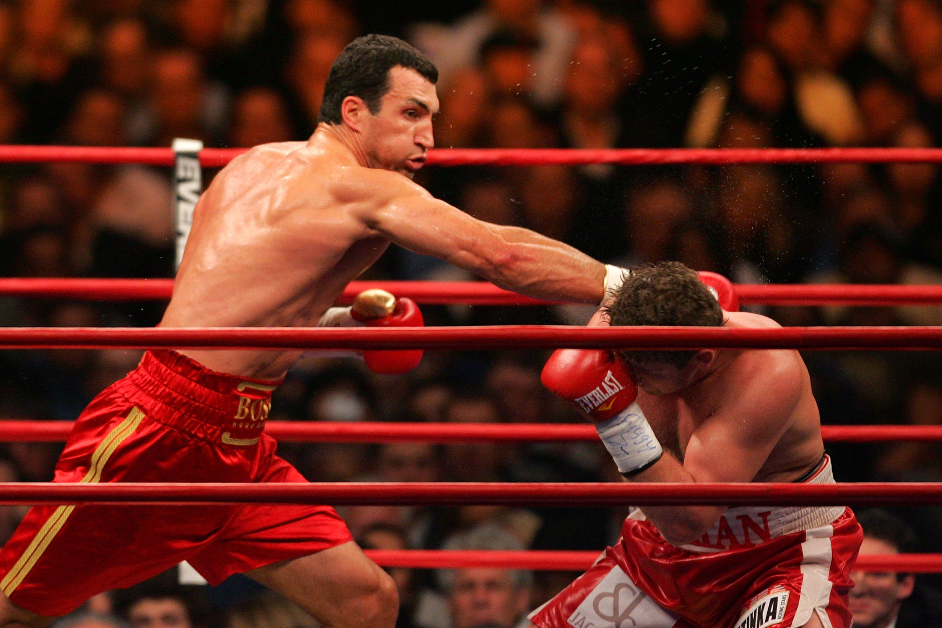 NEW YORK - FEBRUARY 23:  Wladimir Klitschko (L) of Ukraine throws a right to the head of Sultan Ibragimov (R) of Russia during their WBO and IBF/IBO Unification Heavyweight World Championship bout on February 23, 2008 at Madison Square Garden in New York