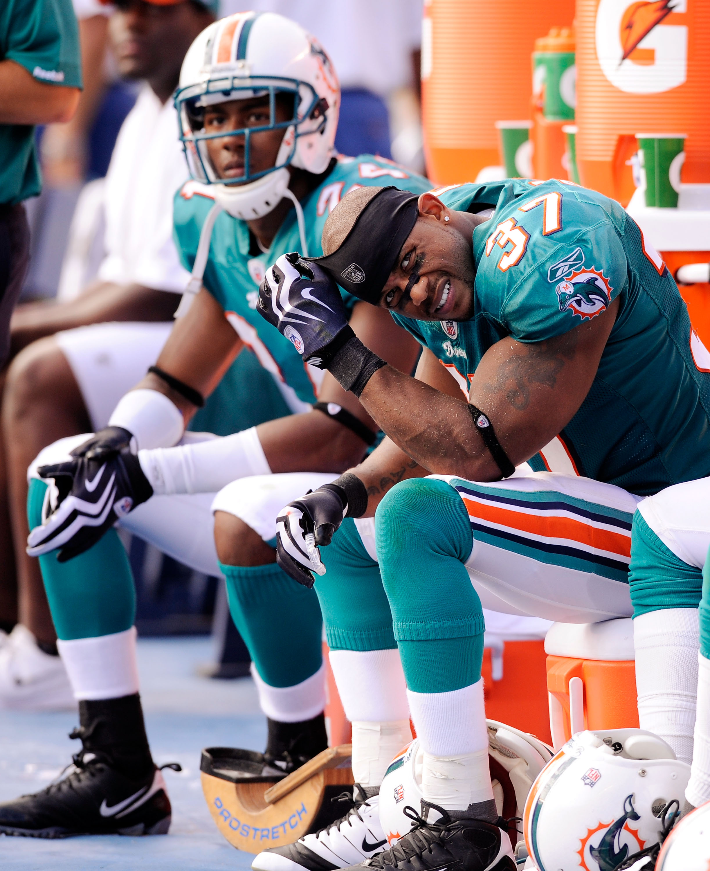 SAN DIEGO - SEPTEMBER 27: Safety Yeremiah Bell #37 of the Miami Dolphins  reacts on the sideline during their loss to San Diego Chargers, 23-13, during the NFL football game at Qualcomm Stadium on September 27, 2009 in San Diego, California.  (Photo by Ke