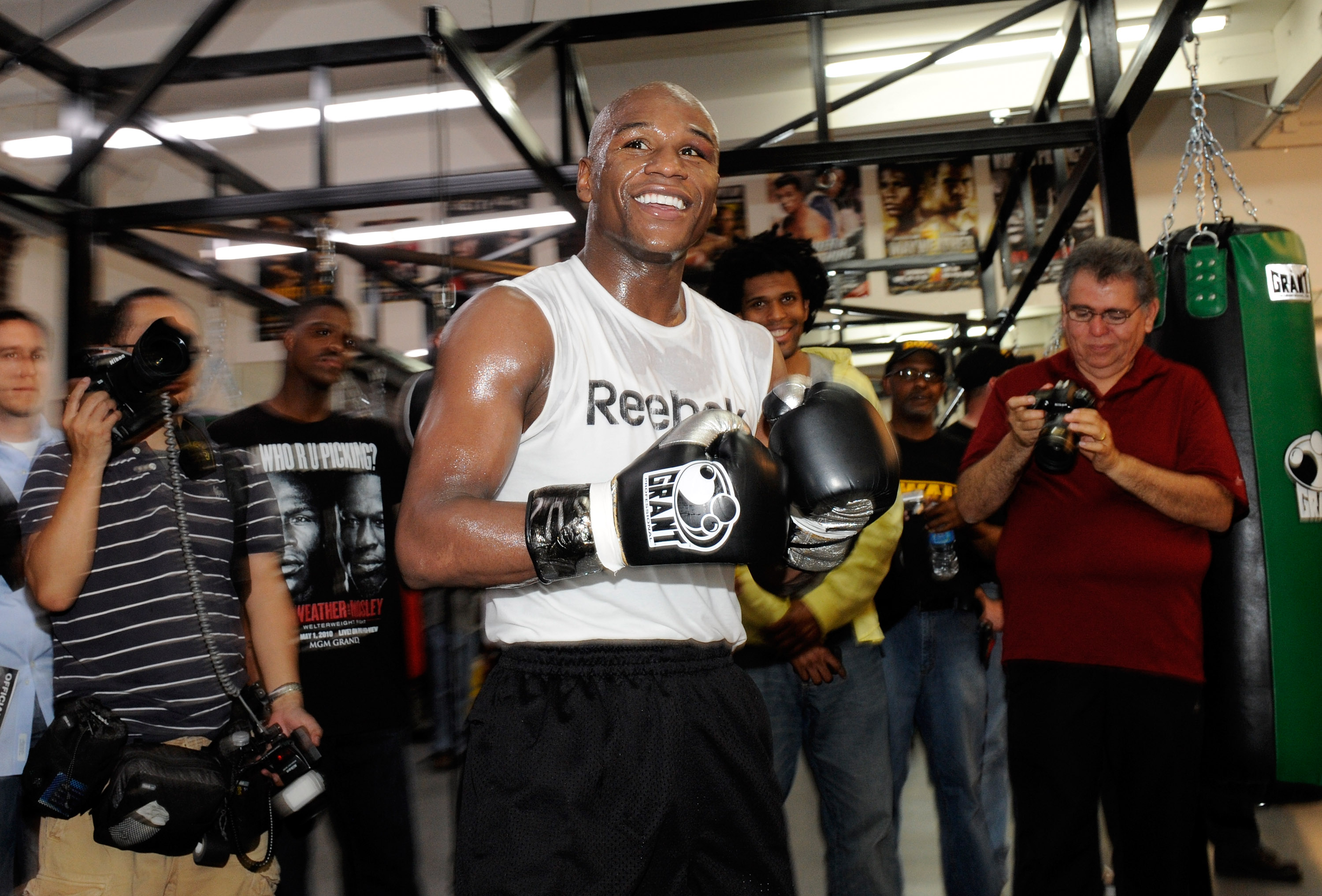 LAS VEGAS - APRIL 14:  Boxer Floyd Mayweather Jr. smiles during a workout April 14, 2010 in Las Vegas, Nevada. Mayweather is scheduled to face Shane Mosley in a 12-round welterweight bout on May 1, 2010 in Las Vegas.  (Photo by Ethan Miller/Getty Images)