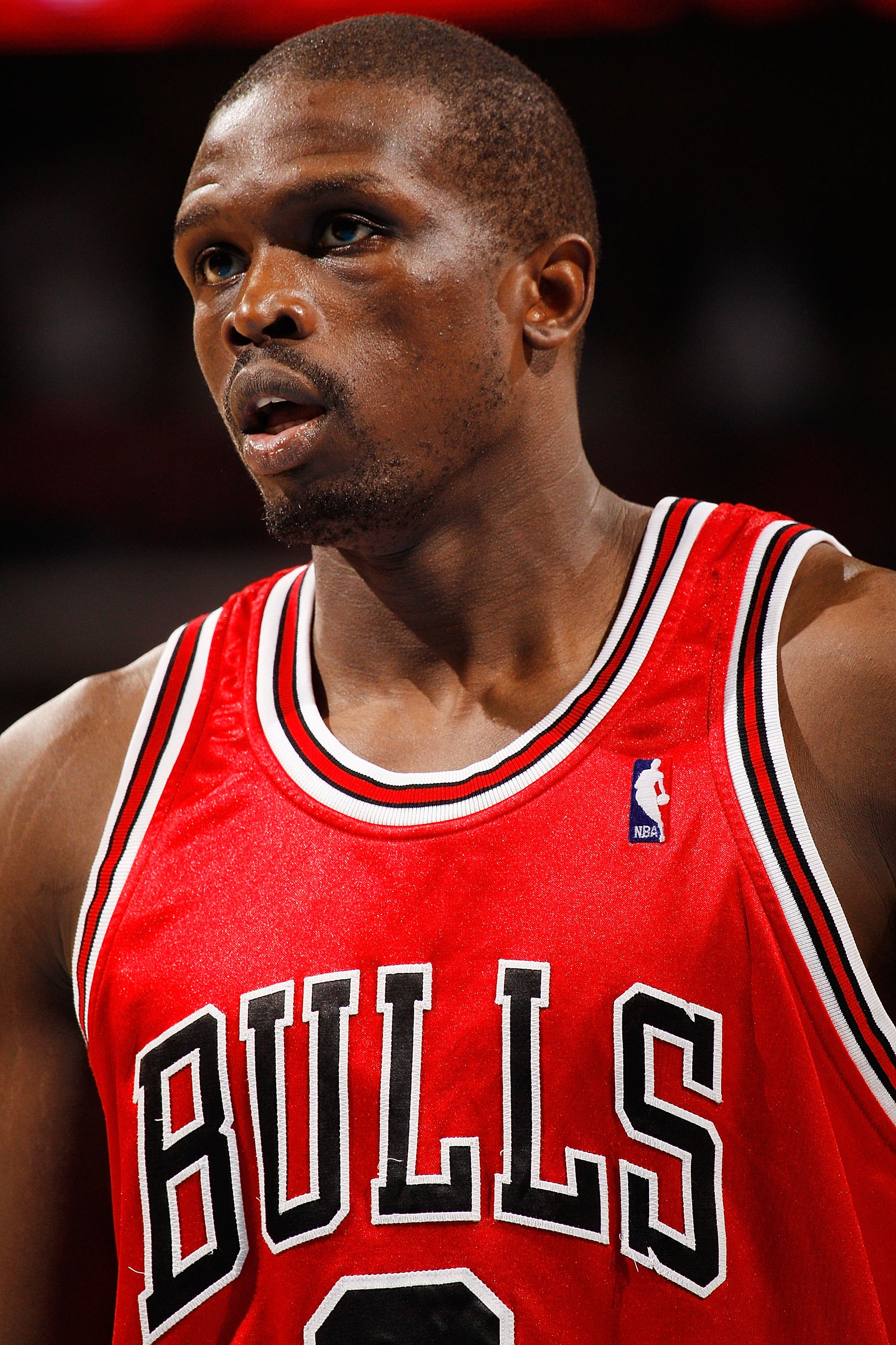edfb9663f2d26d NEW ORLEANS - JANUARY 29  Luol Deng  9 of the Chicago Bulls during the