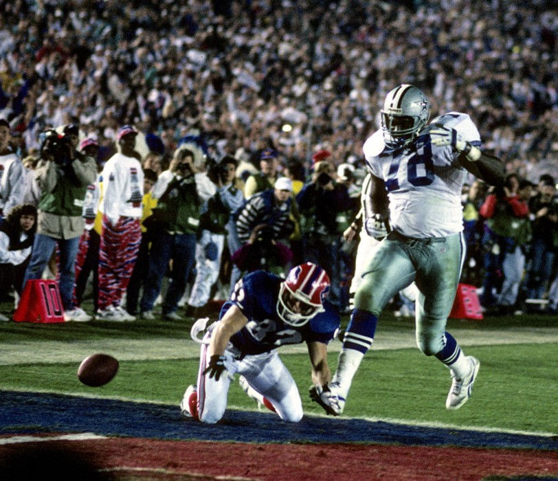 Leon Lett is fat and slow. Don Beebe is not. This never ends well.