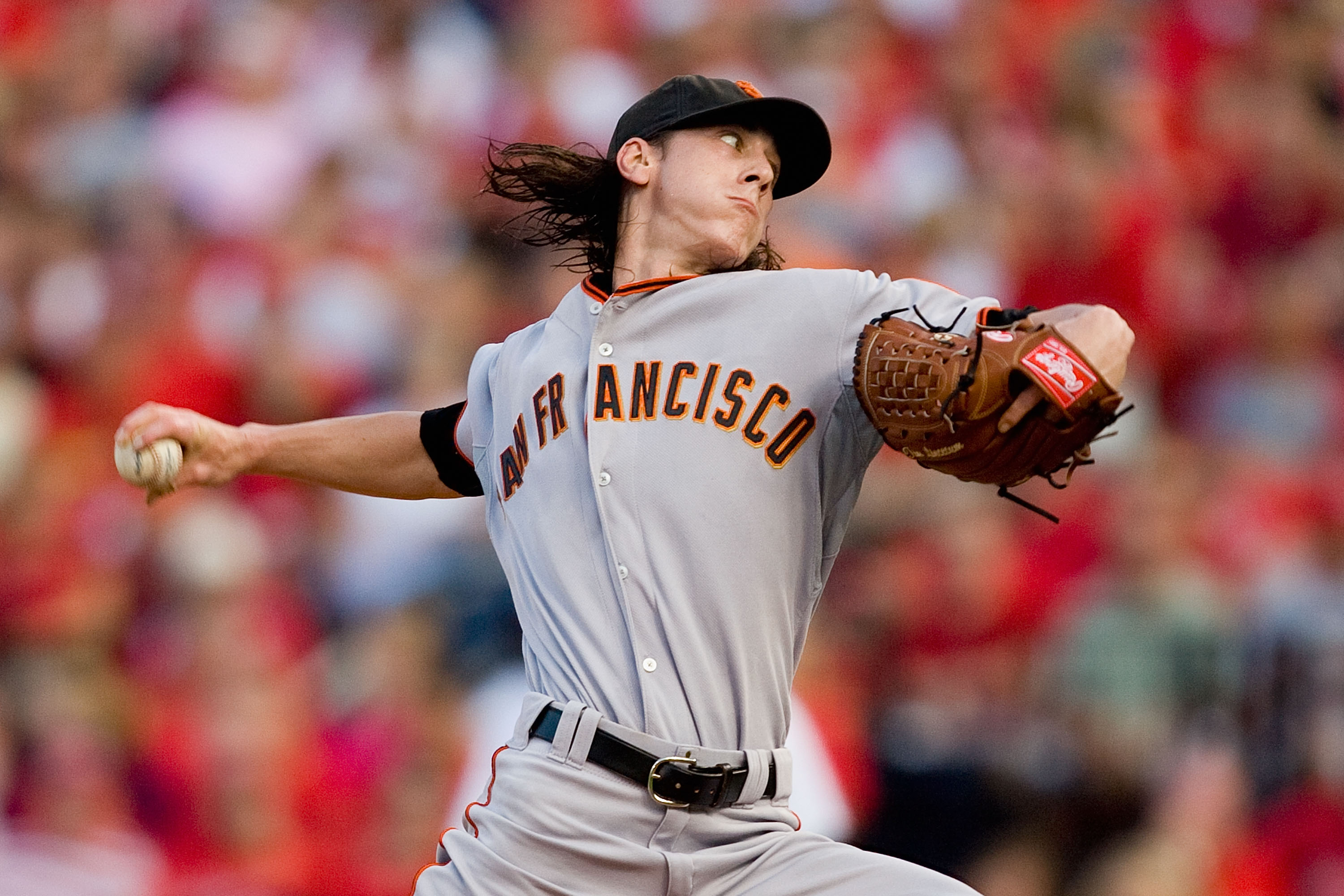ST. LOUIS - AUGUST 21: Starter Tim Lincecum #55 of the San Francisco Giants pitches against the St. Louis Cardinals at Busch Stadium on August 21, 2010 in St. Louis, Missouri.  (Photo by Dilip Vishwanat/Getty Images)