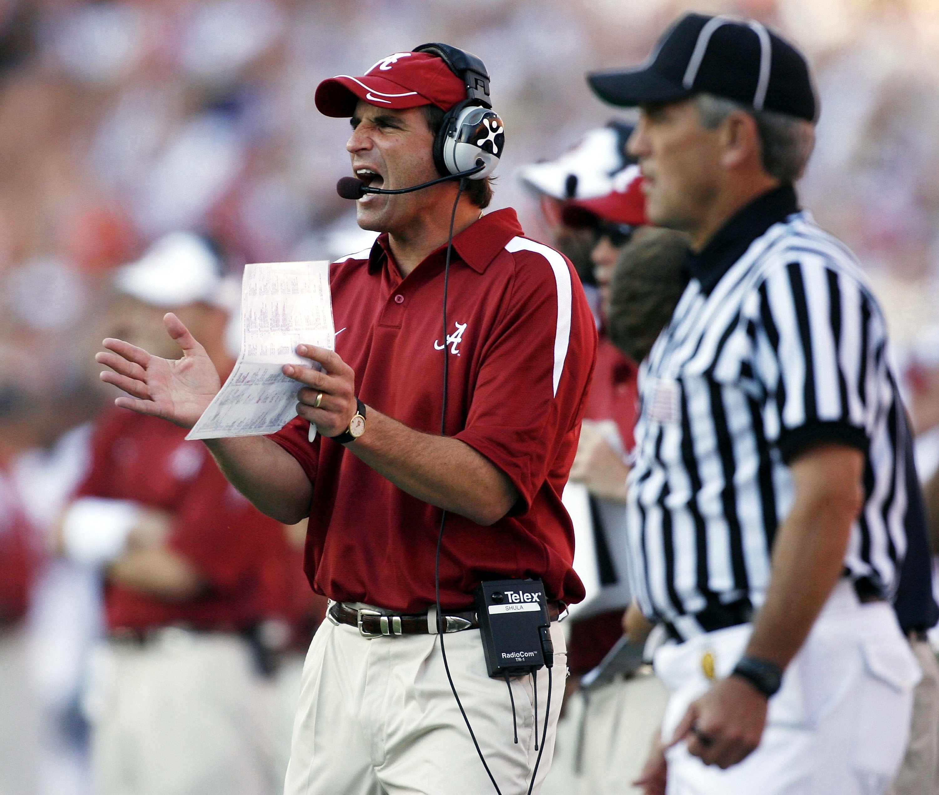 GAINESVILLE, FL - SEPTEMBER 30:  Alabama Crimson head coach Mike Shula shouts instruction against the Florida Gators September 30, 2006 at Ben Hill Griffin Stadium at Florida Field  in Gainsville, Florida.  (Photo by Marc Serota/Getty Images)