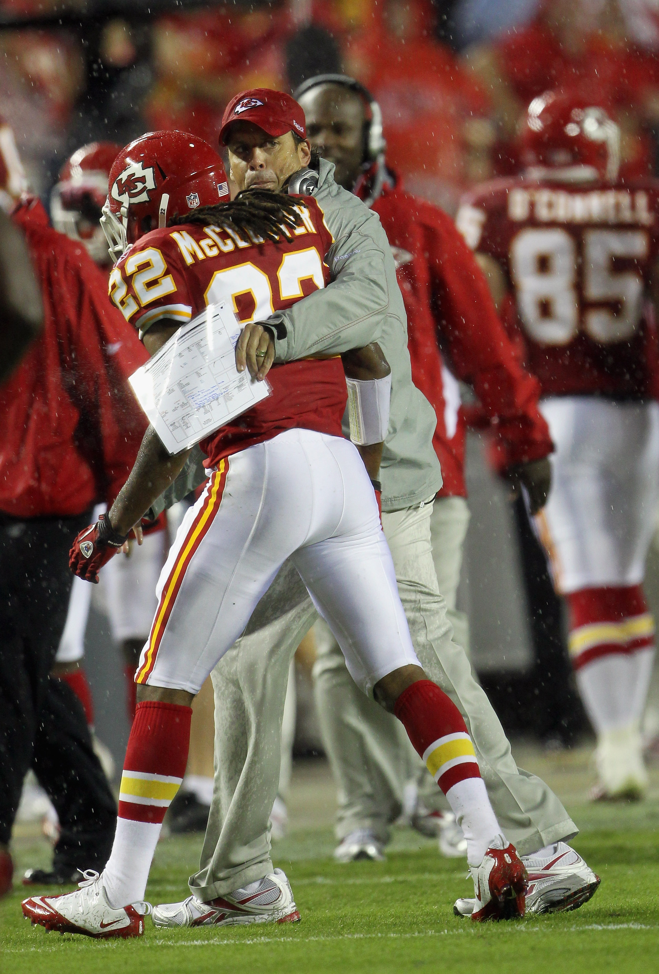 KANSAS CITY, MO - SEPTEMBER 13:  Dexter McCluster #22 of the Kansas City Chiefs is congratulated by head coach Todd Haley after returning a punt for a touchdown during the 1st half of the game against on September 13, 2010 at Arrowhead Stadium in Kansas C