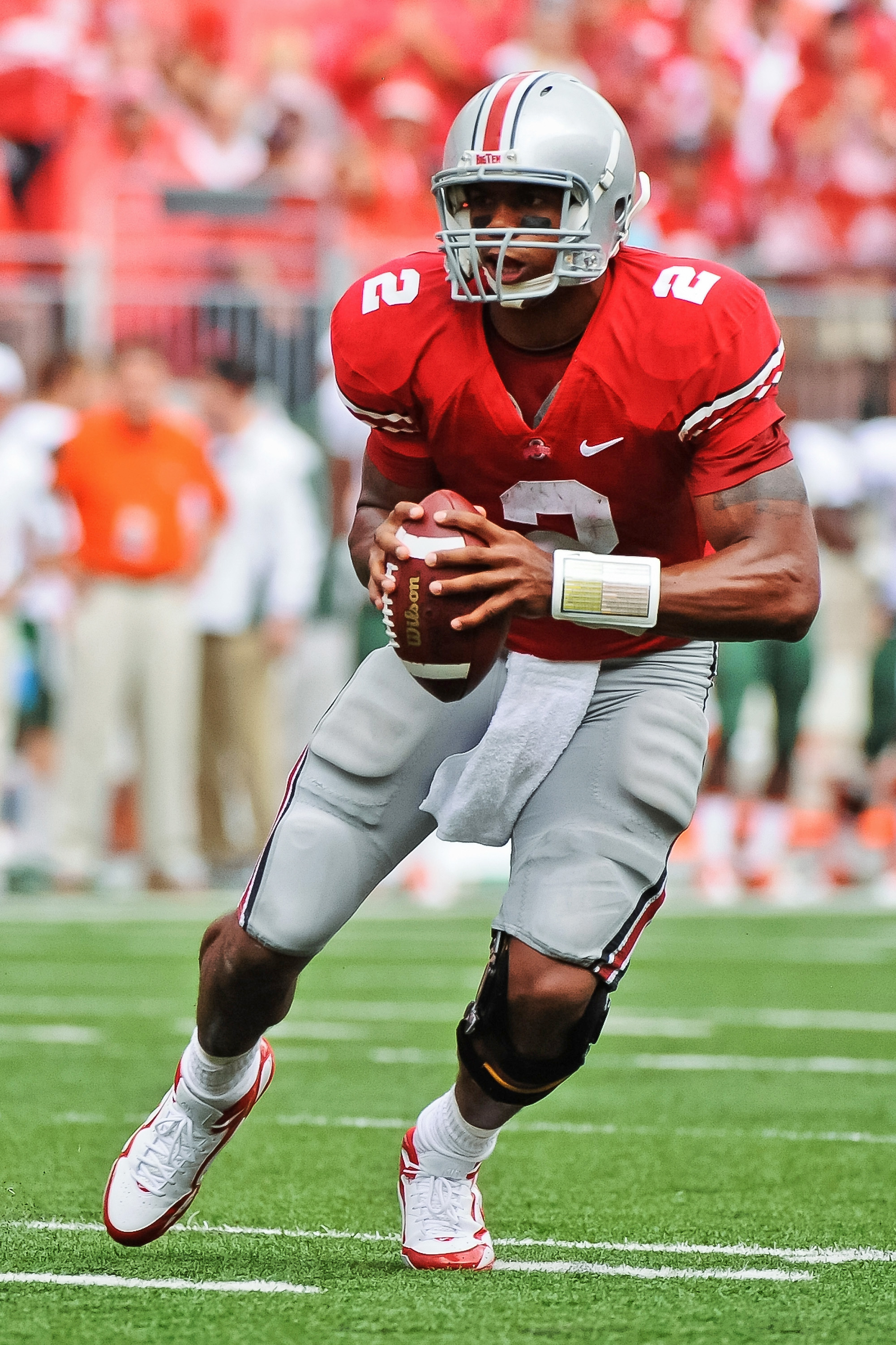 COLUMBUS, OH - SEPTEMBER 11:  Quarterback Terrelle Pryor #2 of the Ohio State Buckeyes runs with the ball against the Miami Hurricanes at Ohio Stadium on September 11, 2010 in Columbus, Ohio.  (Photo by Jamie Sabau/Getty Images)