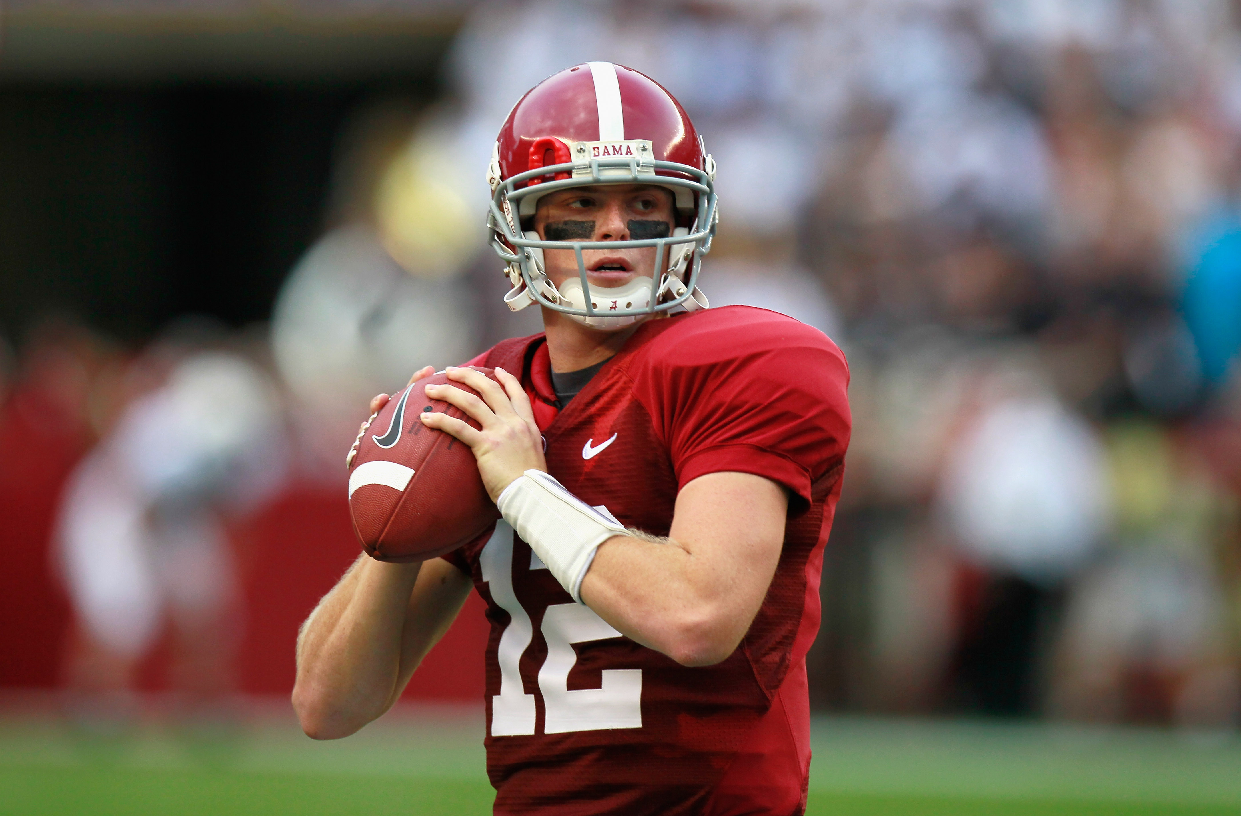 TUSCALOOSA, AL - SEPTEMBER 11:  Quarterback Greg McElroy #12 of the Alabama Crimson Tide against the Penn State Nittany Lions at Bryant-Denny Stadium on September 11, 2010 in Tuscaloosa, Alabama.  (Photo by Kevin C. Cox/Getty Images)