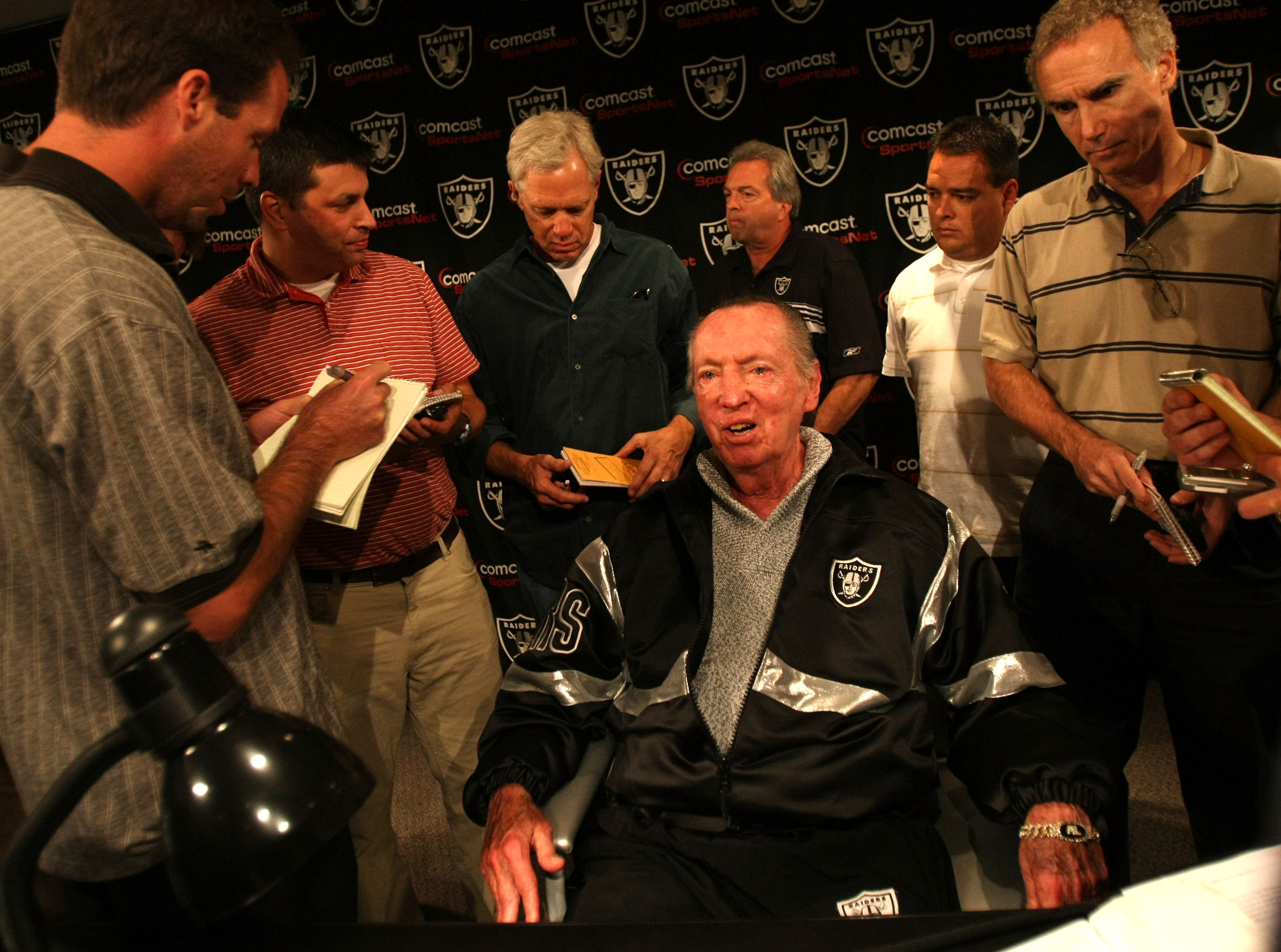 ALAMEDA, CA - SEPTEMBER 30:  Oakland Raiders owner Al Davis speaks during a press conference to announce the firing of head coach Lane Kiffin of the Oakland Raiders at thier training facility on Septemer 30, 2008 in Alameda, California.  (Photo by Jed Jac