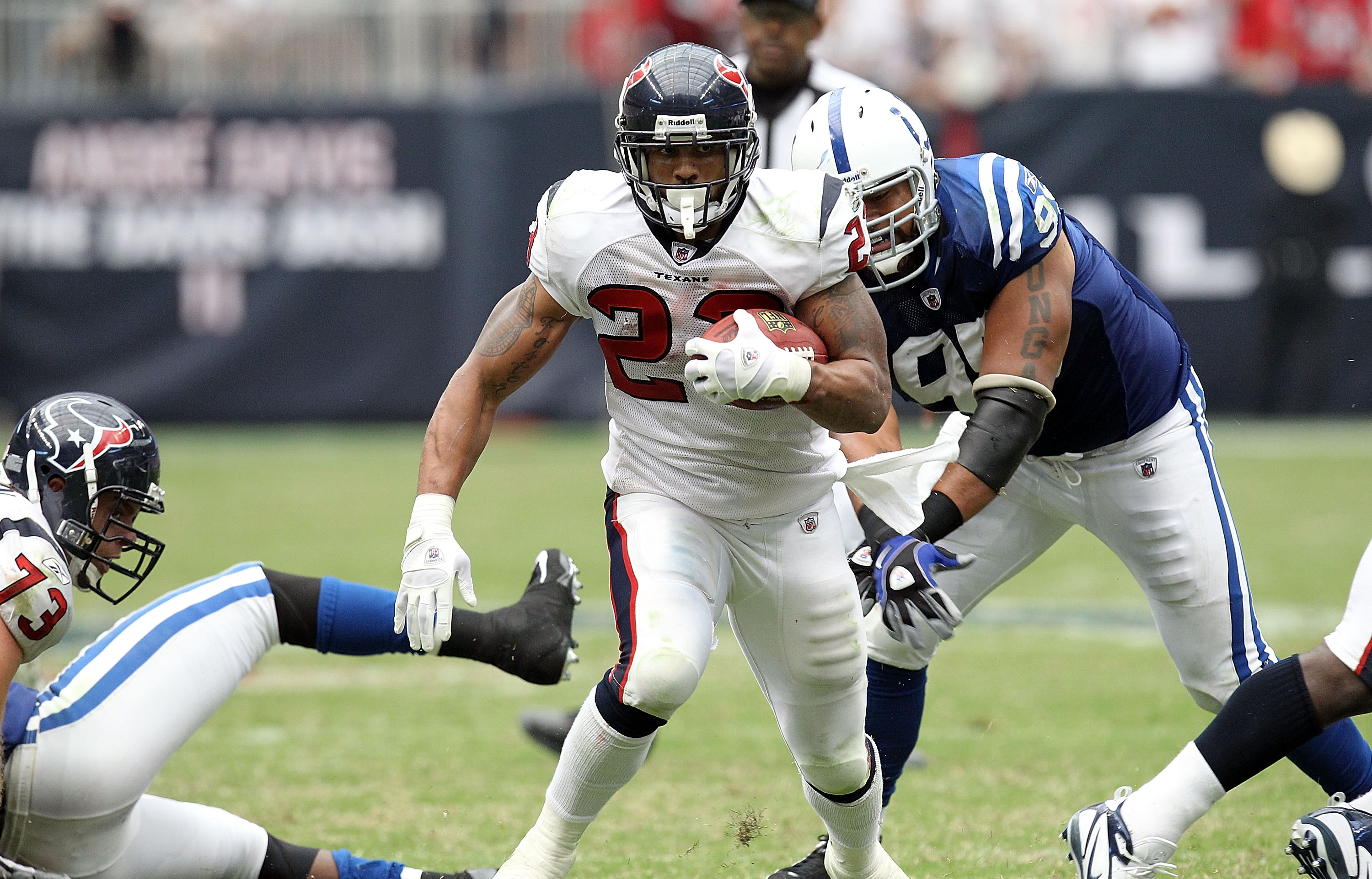 HOUSTON - SEPTEMBER 12:  Running back Arian Foster #23 of the Houston Texans runs in the NFL season opener against the Indianapolis Colts at Reliant Stadium on September 12, 2010 in Houston, Texas.  (Photo by Ronald Martinez/Getty Images)