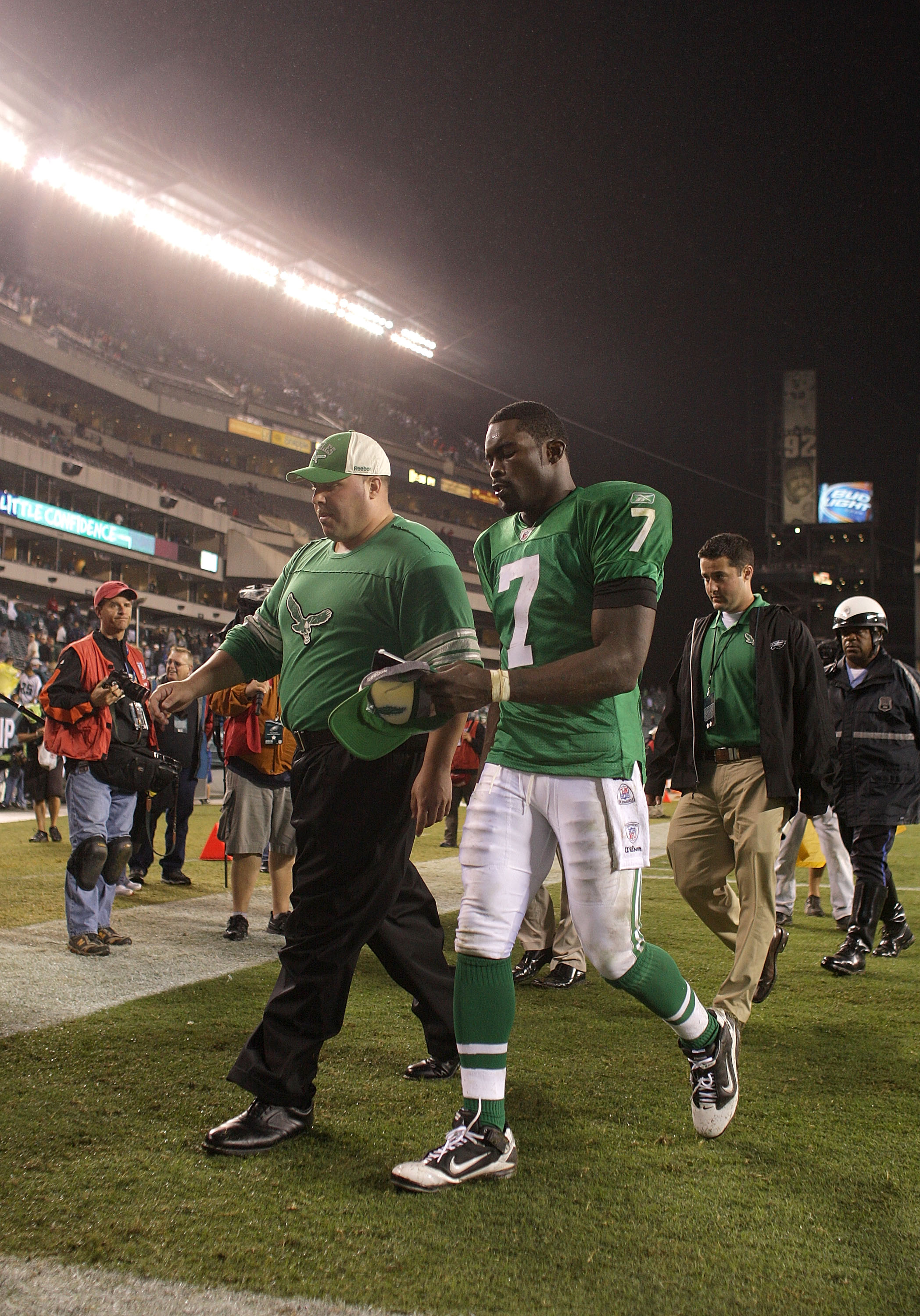 PHILADELPHIA - SEPTEMBER 12:  Michael Vick #7 of the Philadelphia Eagles  walks off the field after a loss in a game against the Green Bay Packers at Lincoln Financial Field on September 12, 2010 in Philadelphia, Pennsylvania. The Packers beat the Eagles