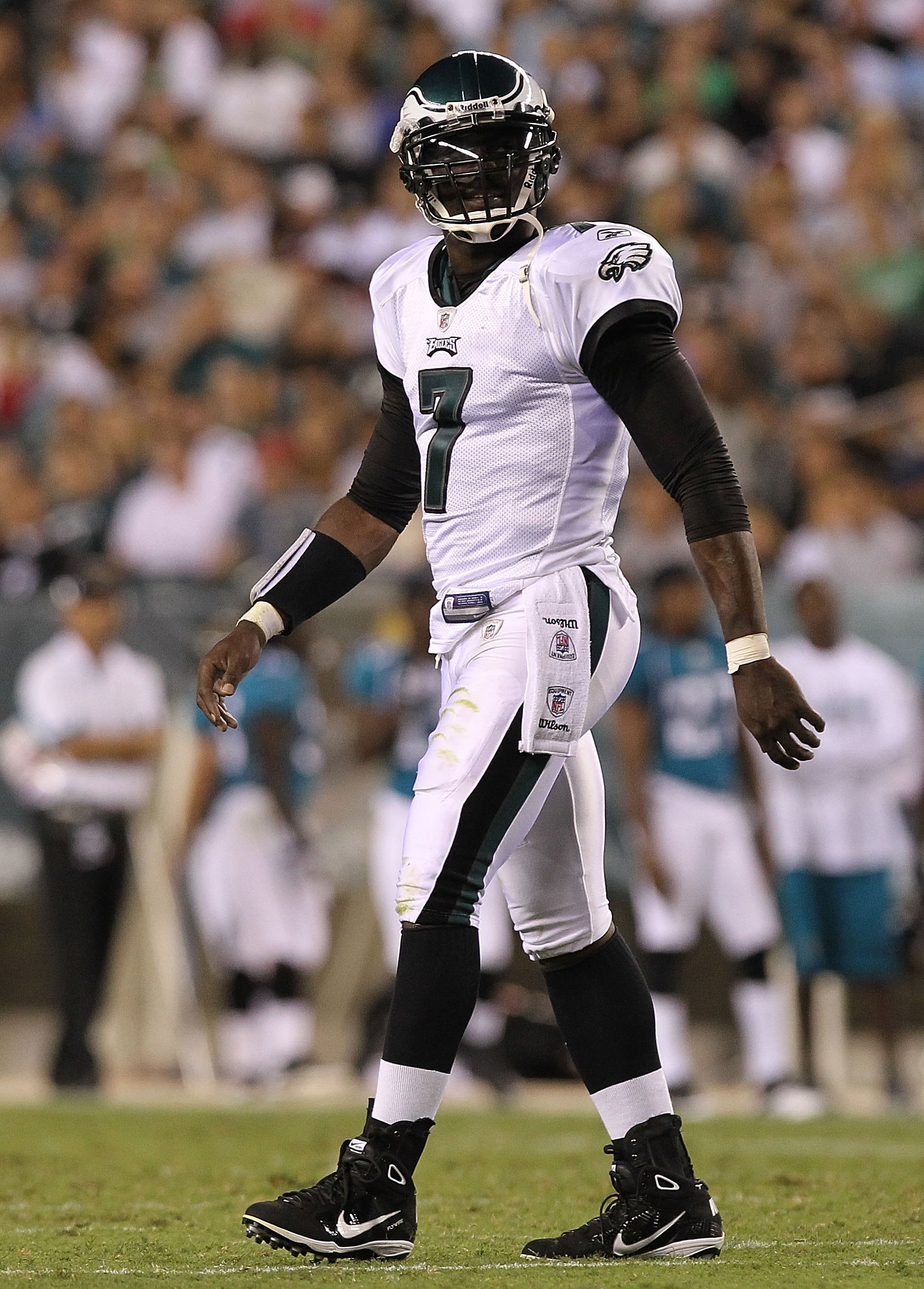 PHILADELPHIA - AUGUST 13:  Michael Vick #7 of the Philadelphia Eagles walks to the sideline against the Jacksonville Jaguars during their preseason game at Lincoln Financial Field on August 13, 2010 in Philadelphia, Pennsylvania.  (Photo by Nick Laham/Get