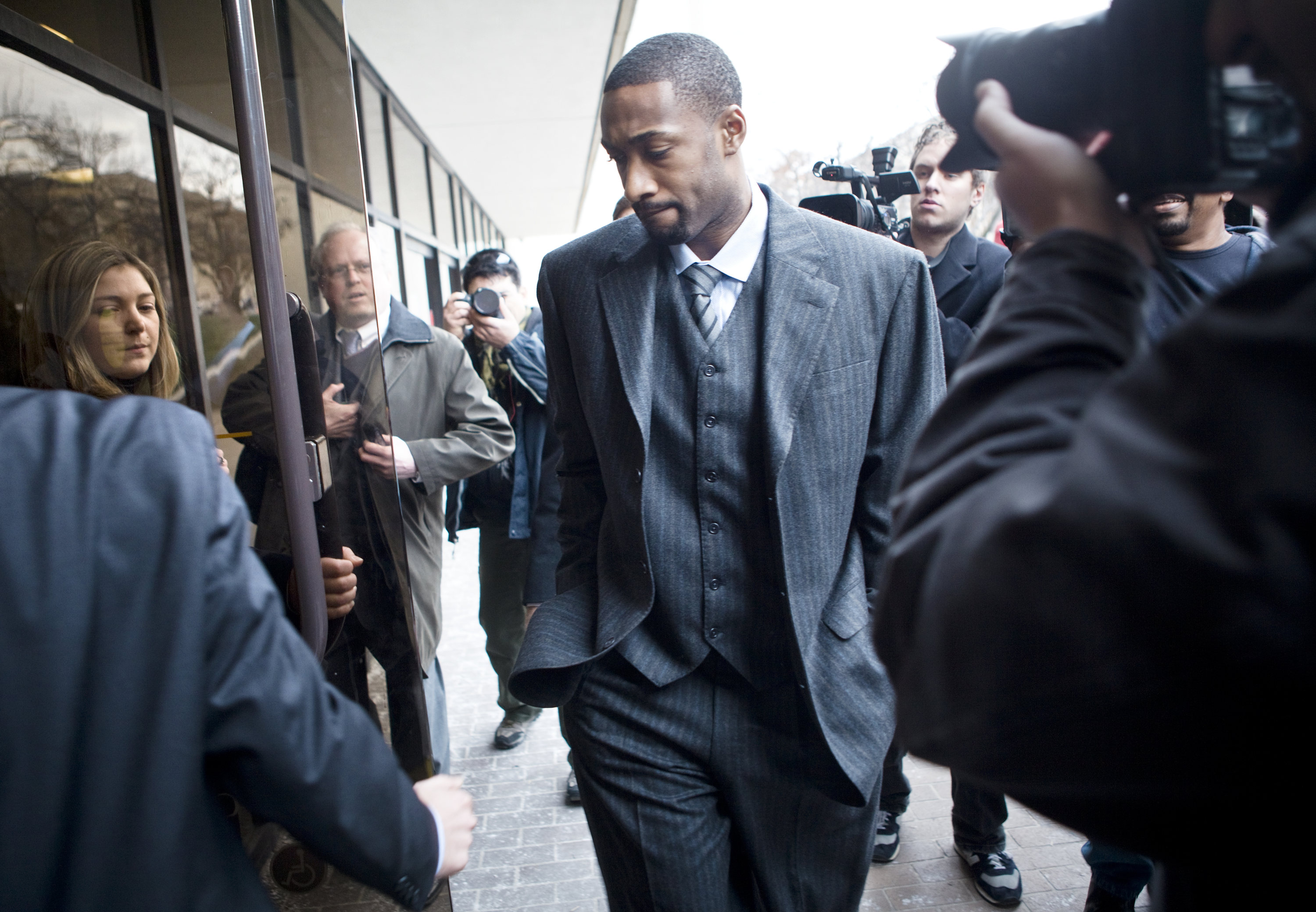 WASHINGTON -  JANUARY 15:  NBA player Gilbert Arenas arrives at District of Columbia Court January 15, 2010 in Washington, DC.  The Washington Wizards star was to appear in court to answer to felony charges for bringing gun into the Wizards locker room.
