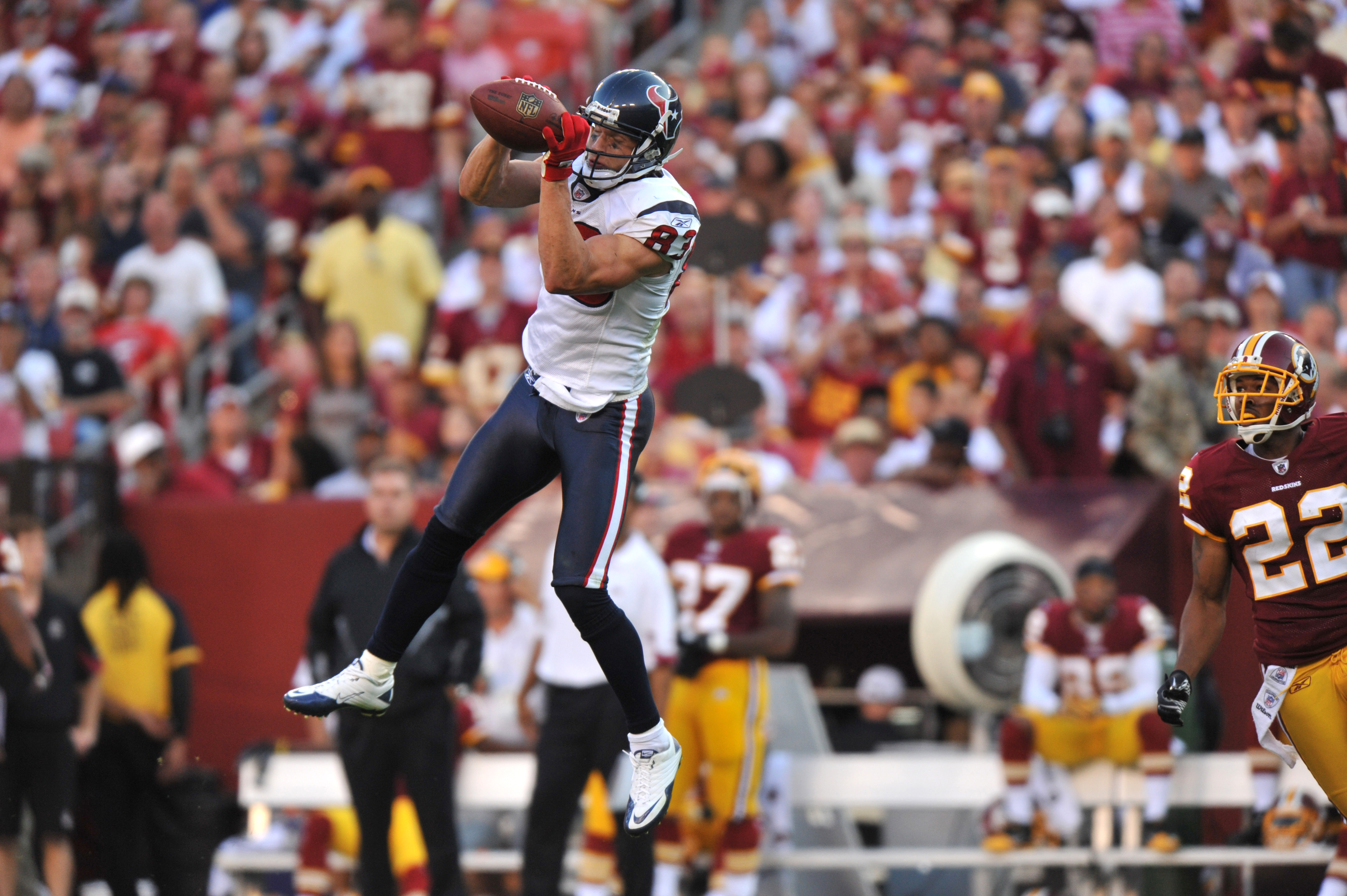 LANDOVER - SEPTEMBER 19:  Kevin Walter #83 of the Houston Texans makes a catch against the Washington Redskins at FedExField on September 19, 2010 in Landover, Maryland. The Texans defeated the Redskins 30-27 in overtime. (Photo by Larry French/Getty Imag