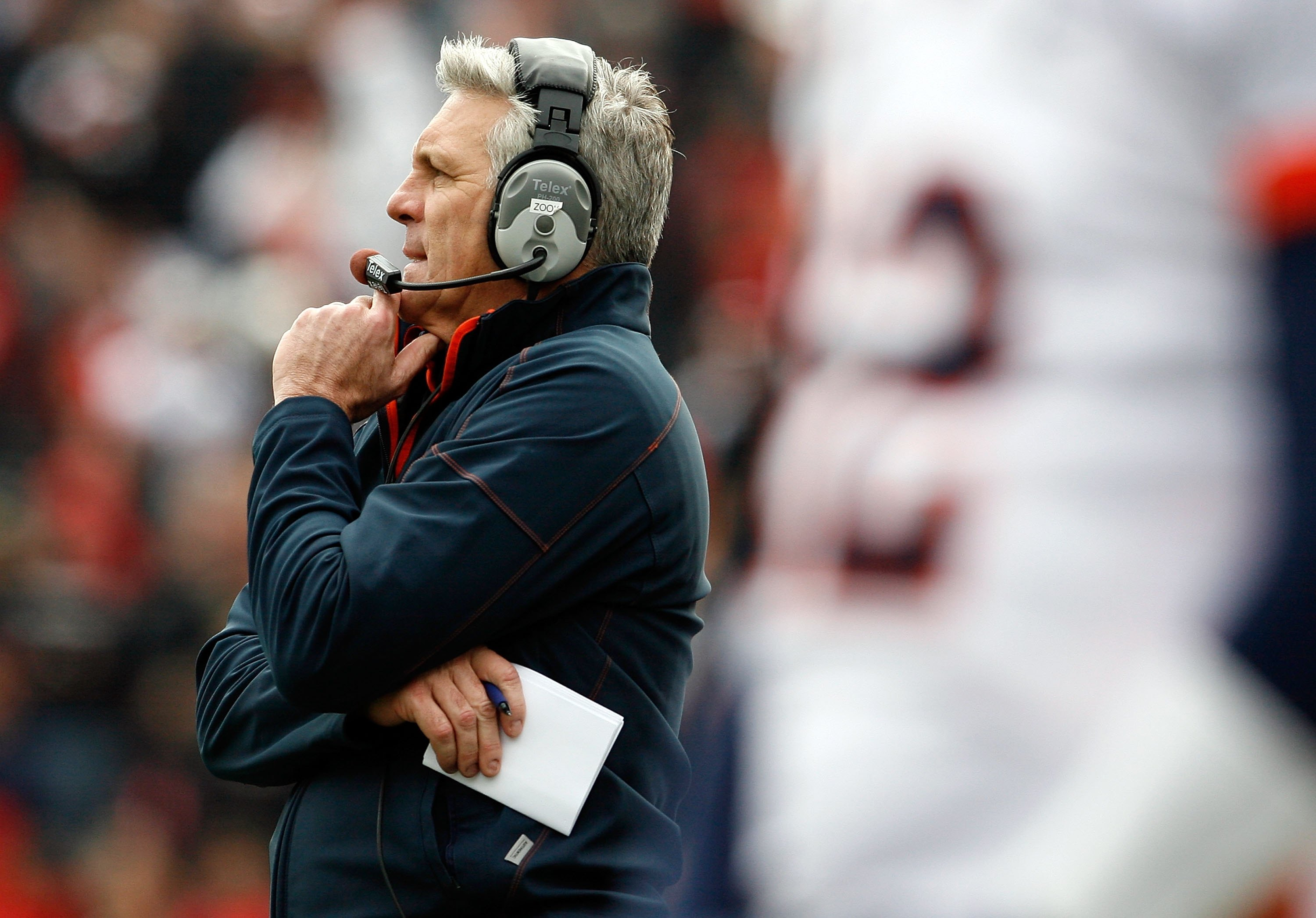CINCINNATI - NOVEMBER 27:  Ron Zook the Head Coach of the Illinois Fighting Illini is pictured during the game against the Cincinnati Bearcats at Nippert Stadium on November 27, 2009 in Cincinnati, Ohio.  (Photo by Andy Lyons/Getty Images)