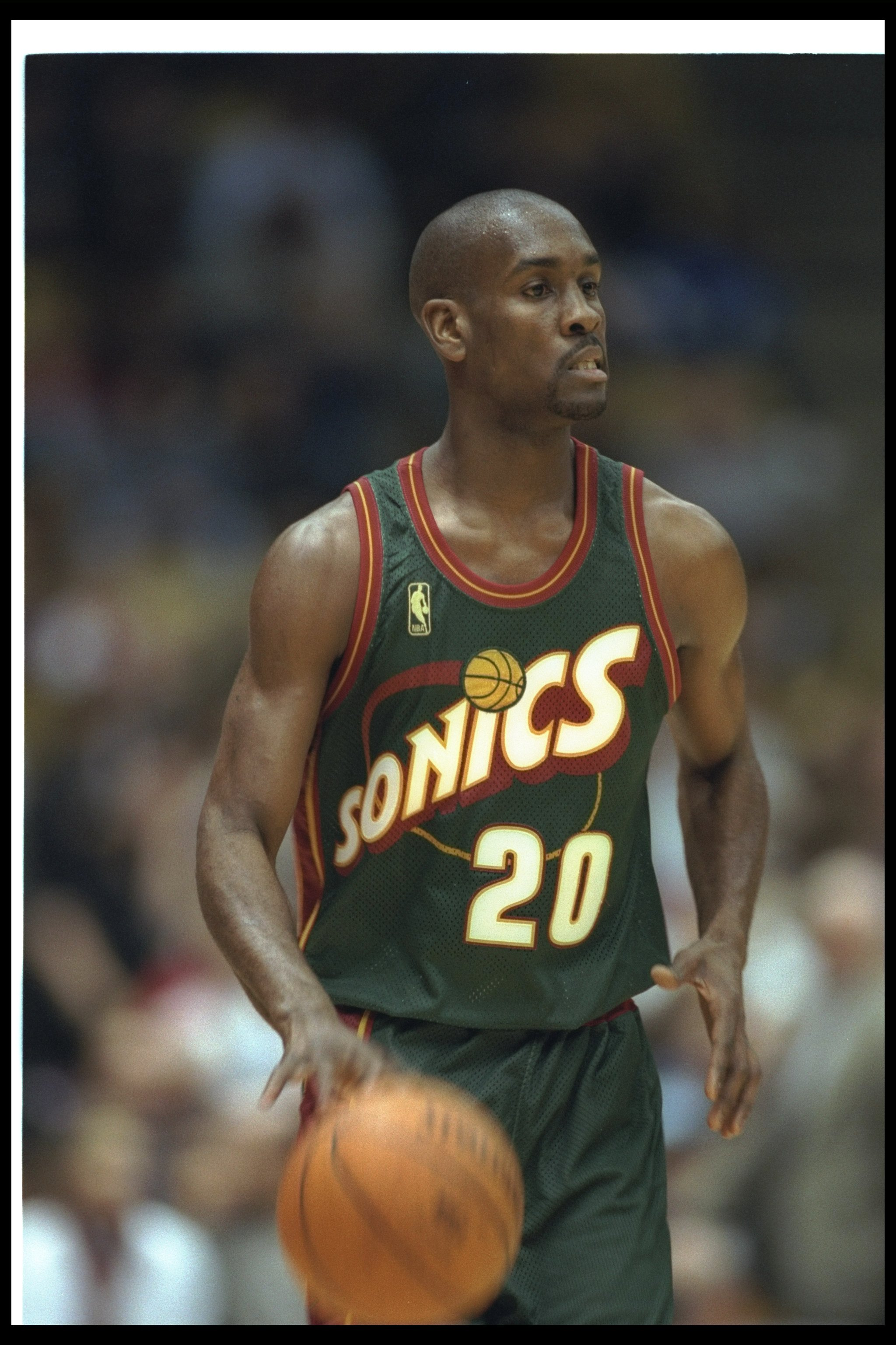 3 Dec 1996:  Guard Gary Payton of the Seattle Supersonics looks on during a game against the Los Angeles Lakers at the Great Western Forum in Inglewood, California.  The Lakers won the game, 110-106.     Mandatory Credit: Stephen Dunn  /Allsport
