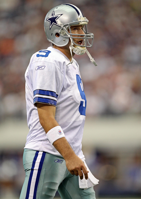 ARLINGTON, TX - SEPTEMBER 19:  Quarterback Tony Romo #9 of the Dallas Cowboys at Cowboys Stadium on September 19, 2010 in Arlington, Texas.  (Photo by Ronald Martinez/Getty Images)