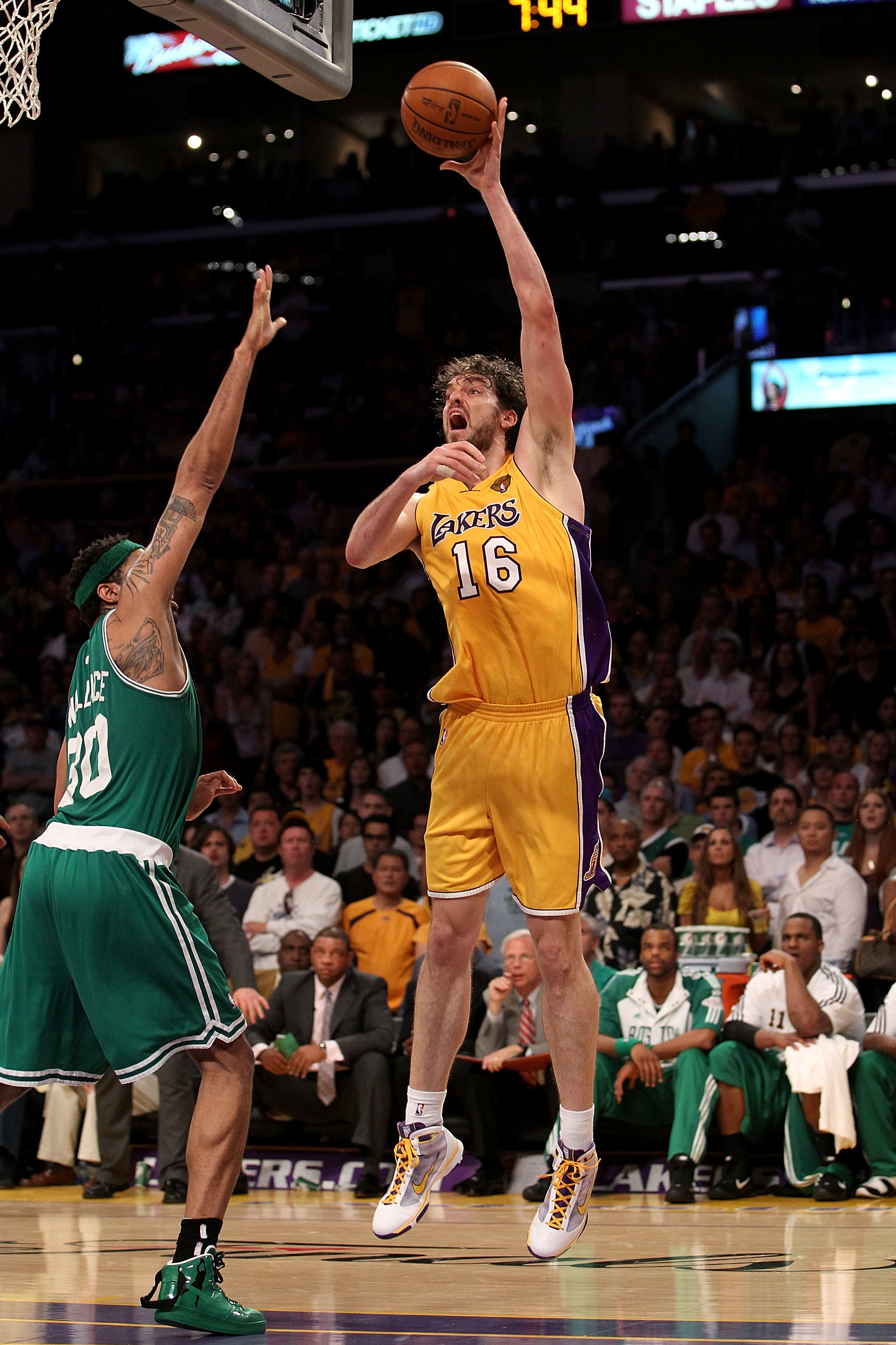 LOS ANGELES, CA - JUNE 17:  Pau Gasol #16 of the Los Angeles Lakers puts a shot up over Rasheed Wallace #30 of the Boston Celtics in Game Seven of the 2010 NBA Finals at Staples Center on June 17, 2010 in Los Angeles, California.  NOTE TO USER: User expre