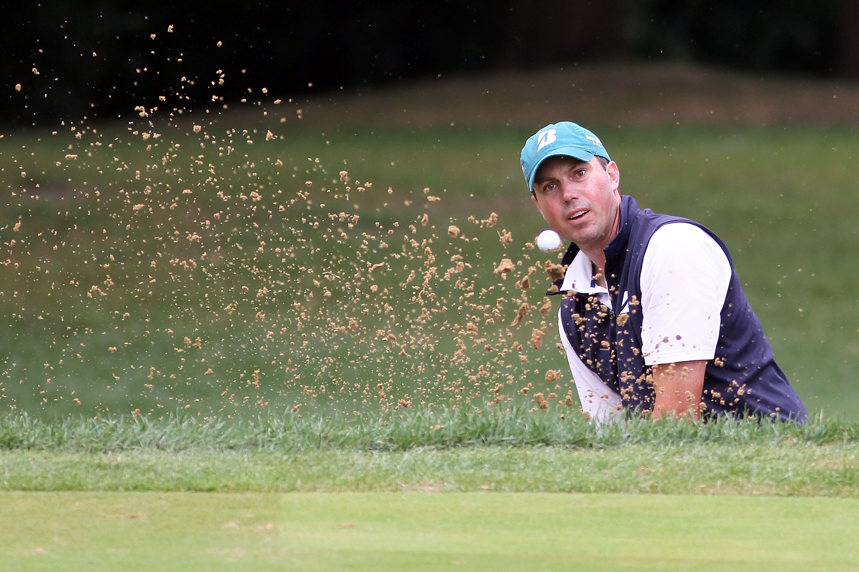 LEMONT, IL - SEPTEMBER 11:  Matt Kuchar hits a shot out of the bunker on the 15th hole during the third round of the BMW Championship at Cog Hill Golf & Country Club on September 11, 2010 in Lemont, Illinois.  (Photo by Jamie Squire/Getty Images)