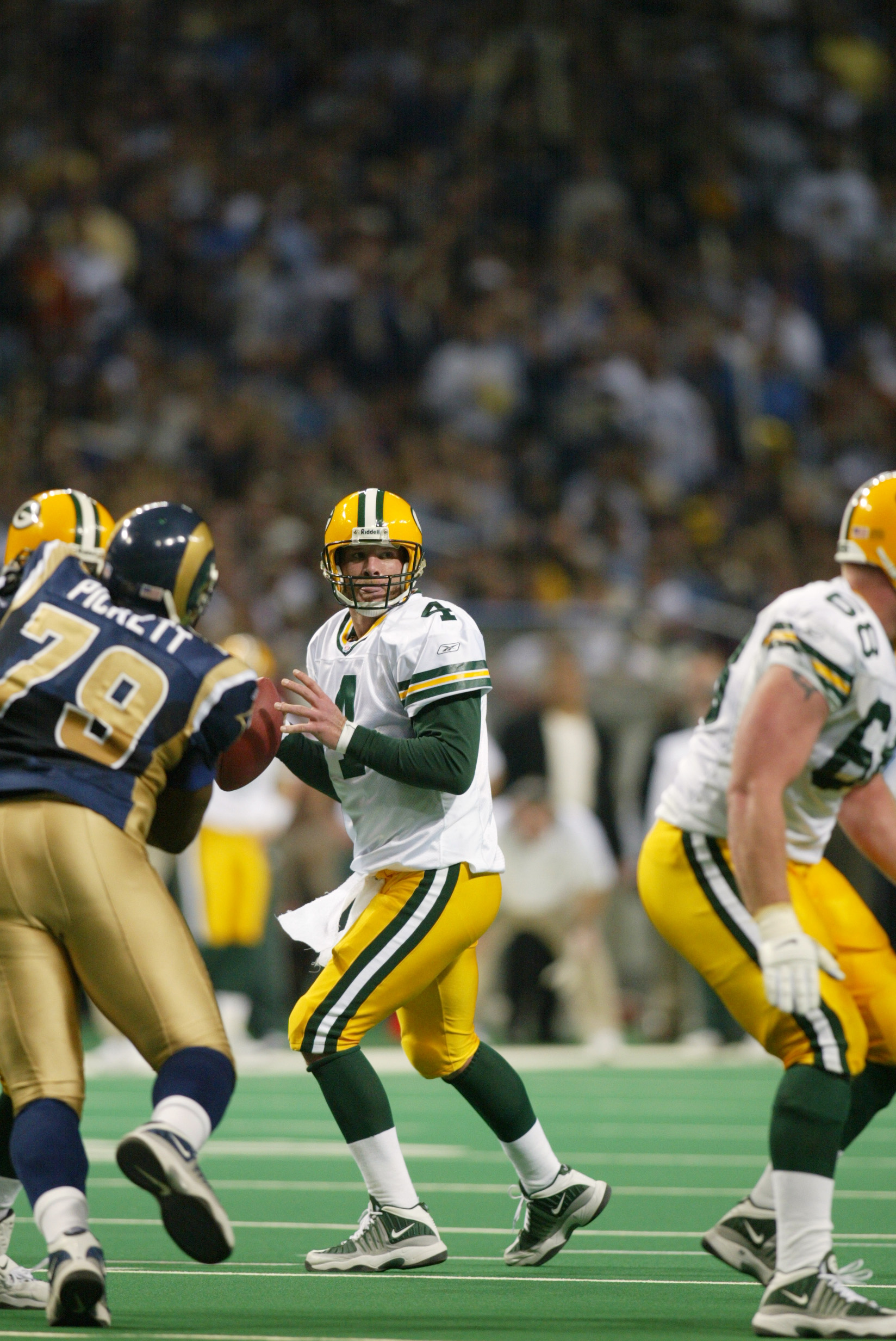 20 Jan 2002 : Quarterback Brett Favre of the Green Bay Packers during the game against the St.Louis Rams at the Dome at America's Center in St.Louis, Missouri. The Rams won 45-17. DIGITAL IMAGE. Mandatory Credit: Tom Hauck/Getty Images
