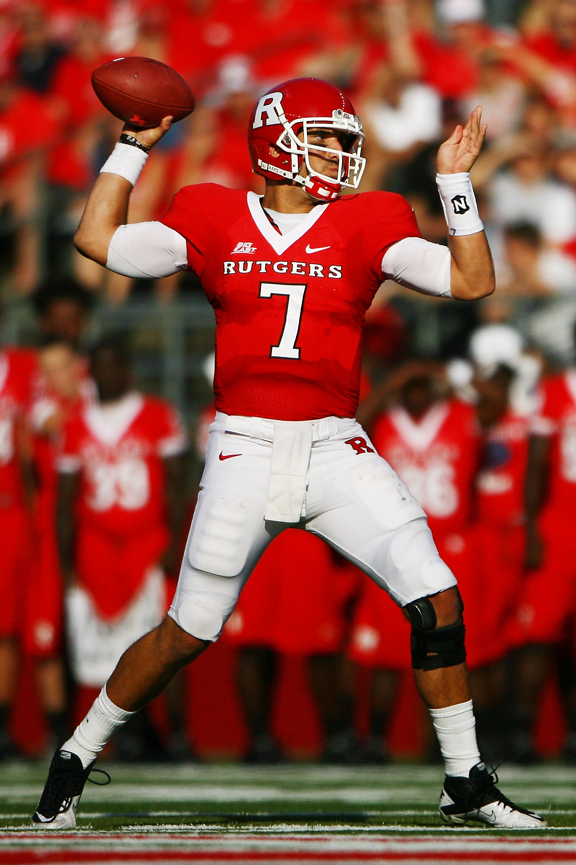 NEW BRUNSWICK, NJ - SEPTEMBER 25:  Tom Savage #7 of the Rutgers Scarlet Knights passes against the North Carolina Tar Heels at Rutgers Stadium on September 25, 2010 in New Brunswick, New Jersey.  (Photo by Andrew Burton/Getty Images)