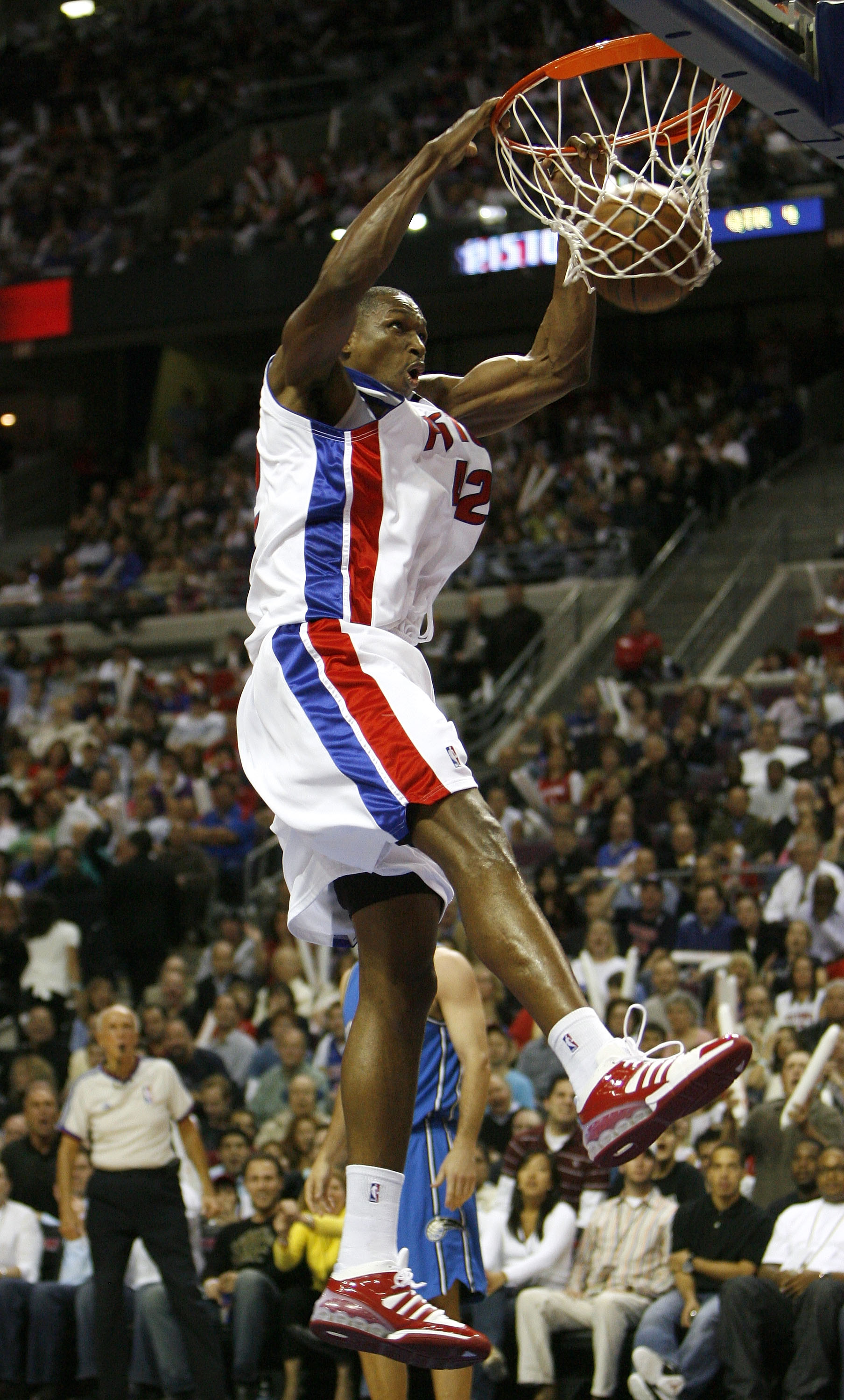 AUBURN HILLS, MI - MAY 03:  Theo Ratliff #42 of the Detroit Pistons gets in for a dunk while playing the Orlando Magic in Game One of the Eastern Conference Semifinals during the 2008 NBA Playoffs at the Palace of Auburn Hills on May 3, 2008 in Auburn Hil