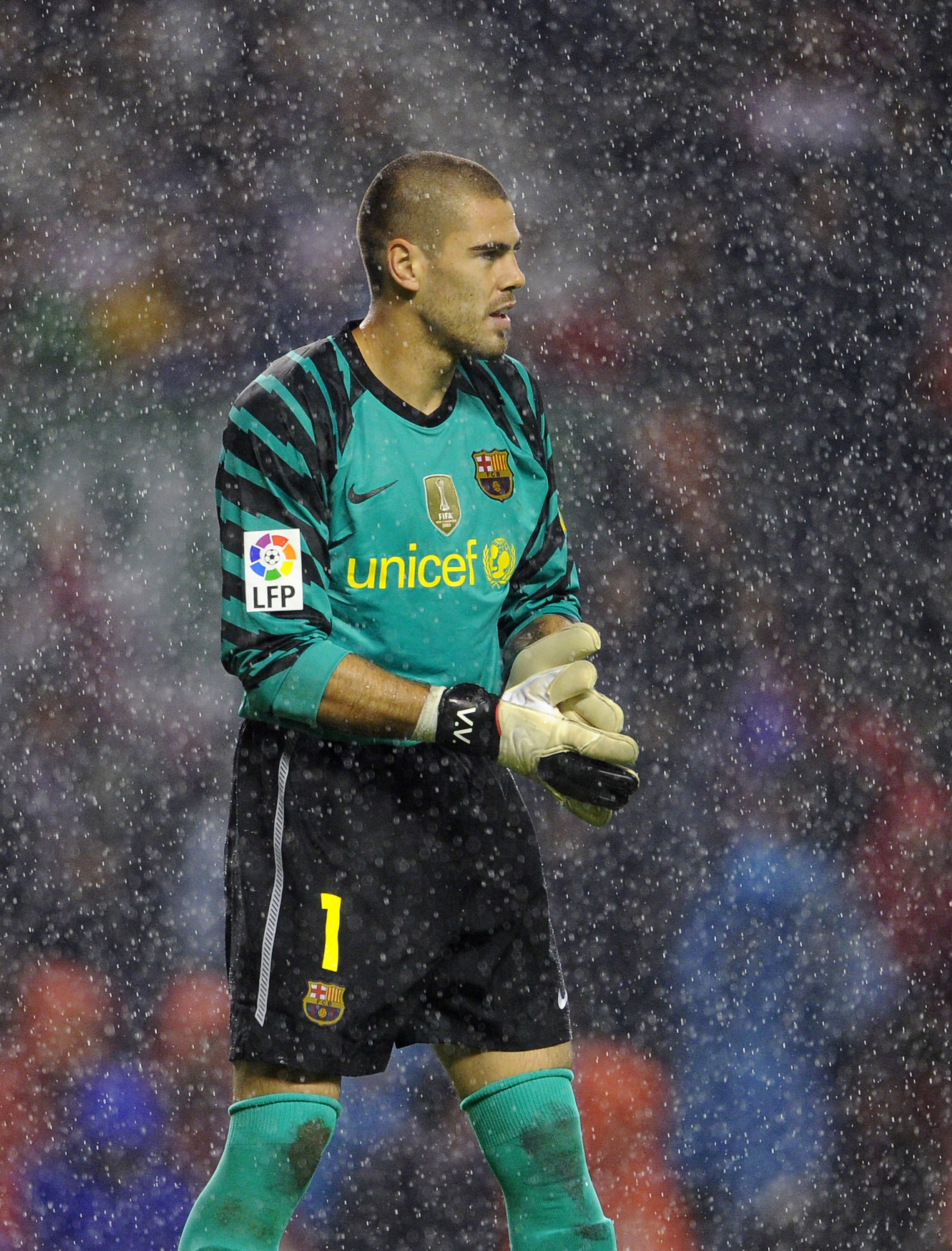 BILBAO, SPAIN - SEPTEMBER 25:  Goalkeeper Victor Valdes of Barcelona looks on during the La Liga match between Athletic Bilbao and Barcelona at the San Mames Stadium on September 25, 2010 in Bilbao, Spain. Barcelona won the match 3-1.  (Photo by Jasper Ju
