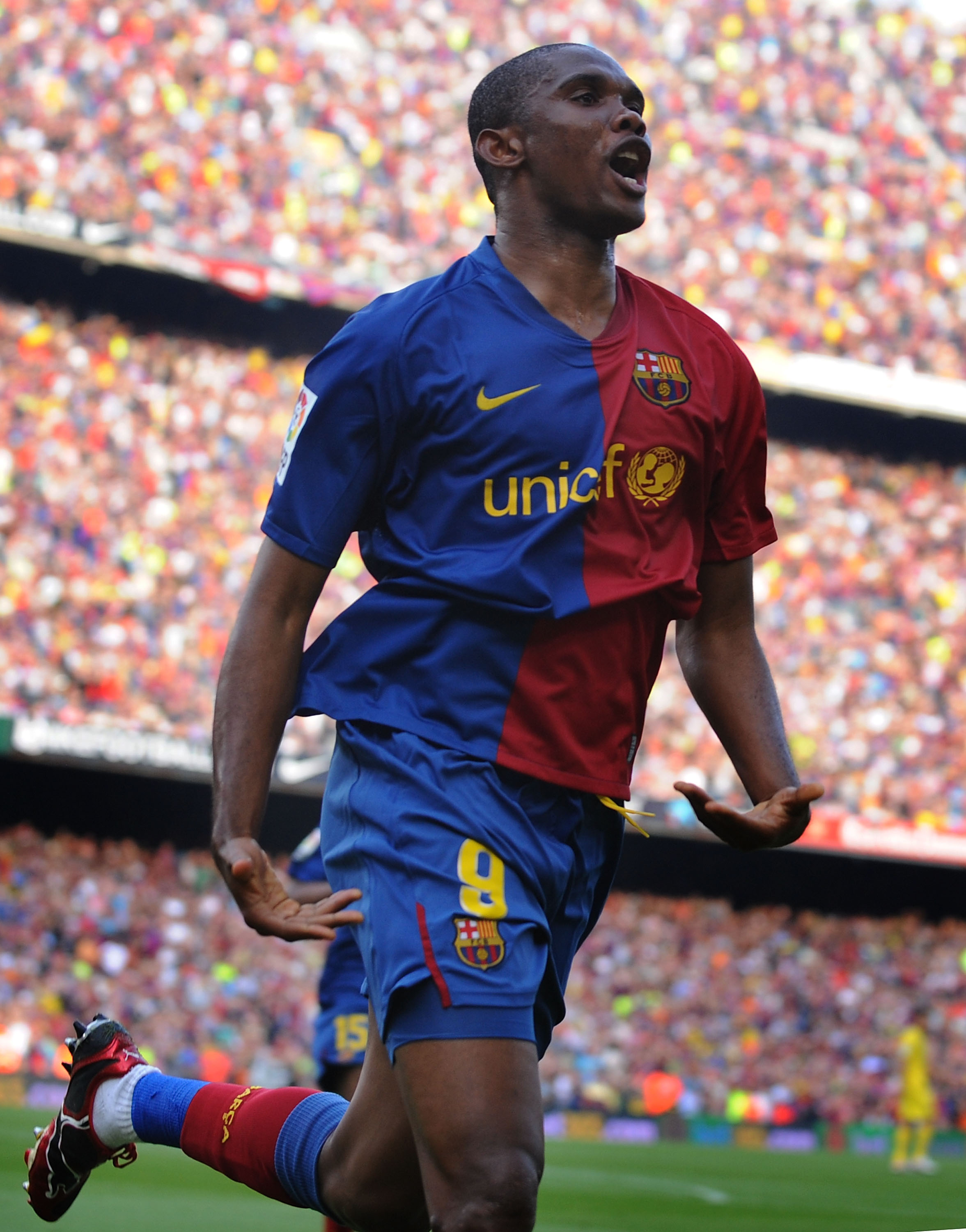 BARCELONA, SPAIN - MAY 10:  Samuel Eto'o of Barcelona celebrates after scoring his team's second goal during the La Liga match between Barcelona and Villarreal at the Nou Camp stadium on May 10, 2009 in Barcelona, Spain.  (Photo by Denis Doyle/Getty Image