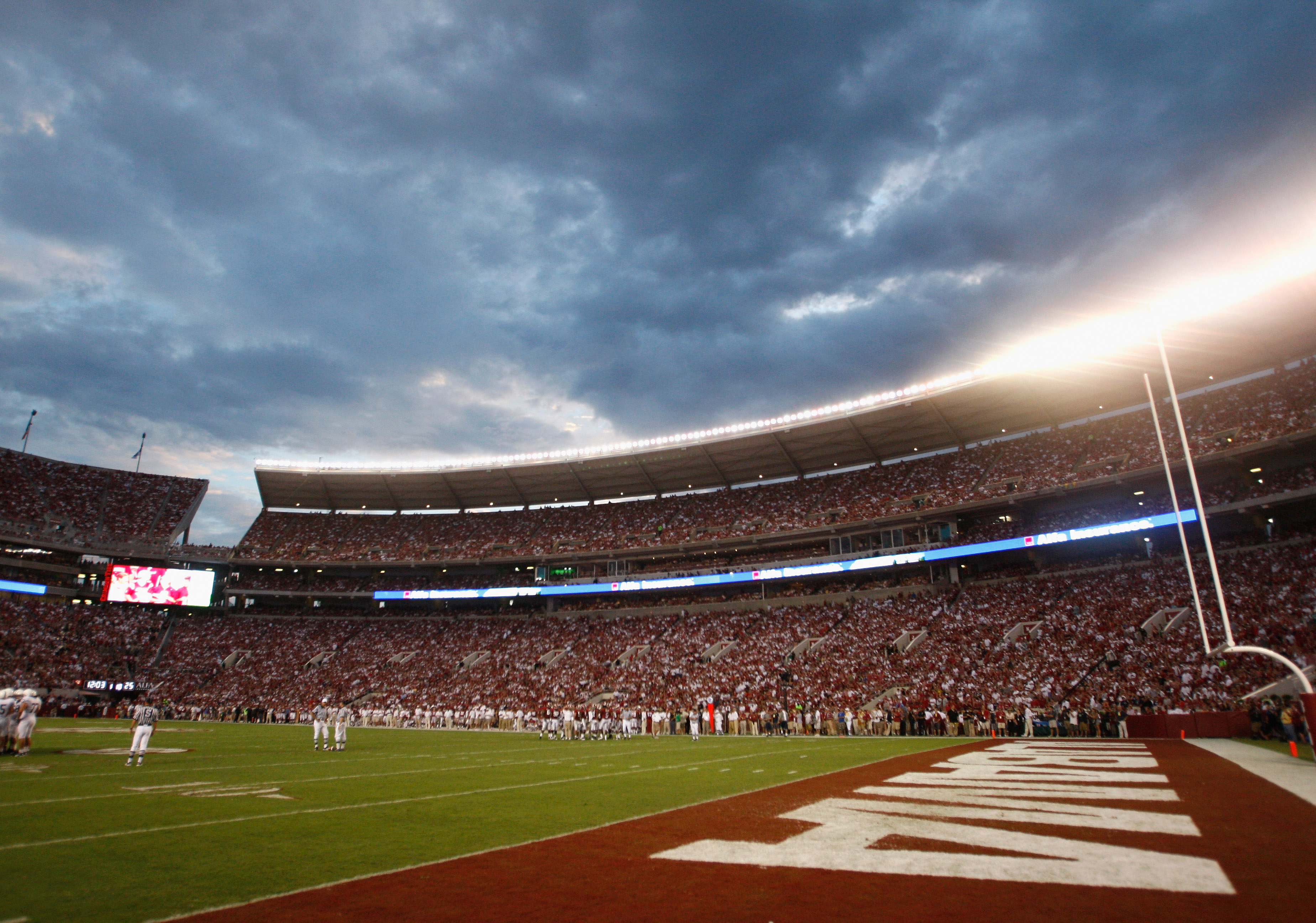 TUSCALOOSA, AL - SEPTEMBER 11:  A general view of Bryant-Denny Stadium during the game between the Alabama Crimson Tide and the Penn State Nittany Lions on September 11, 2010 in Tuscaloosa, Alabama.  (Photo by Kevin C. Cox/Getty Images)