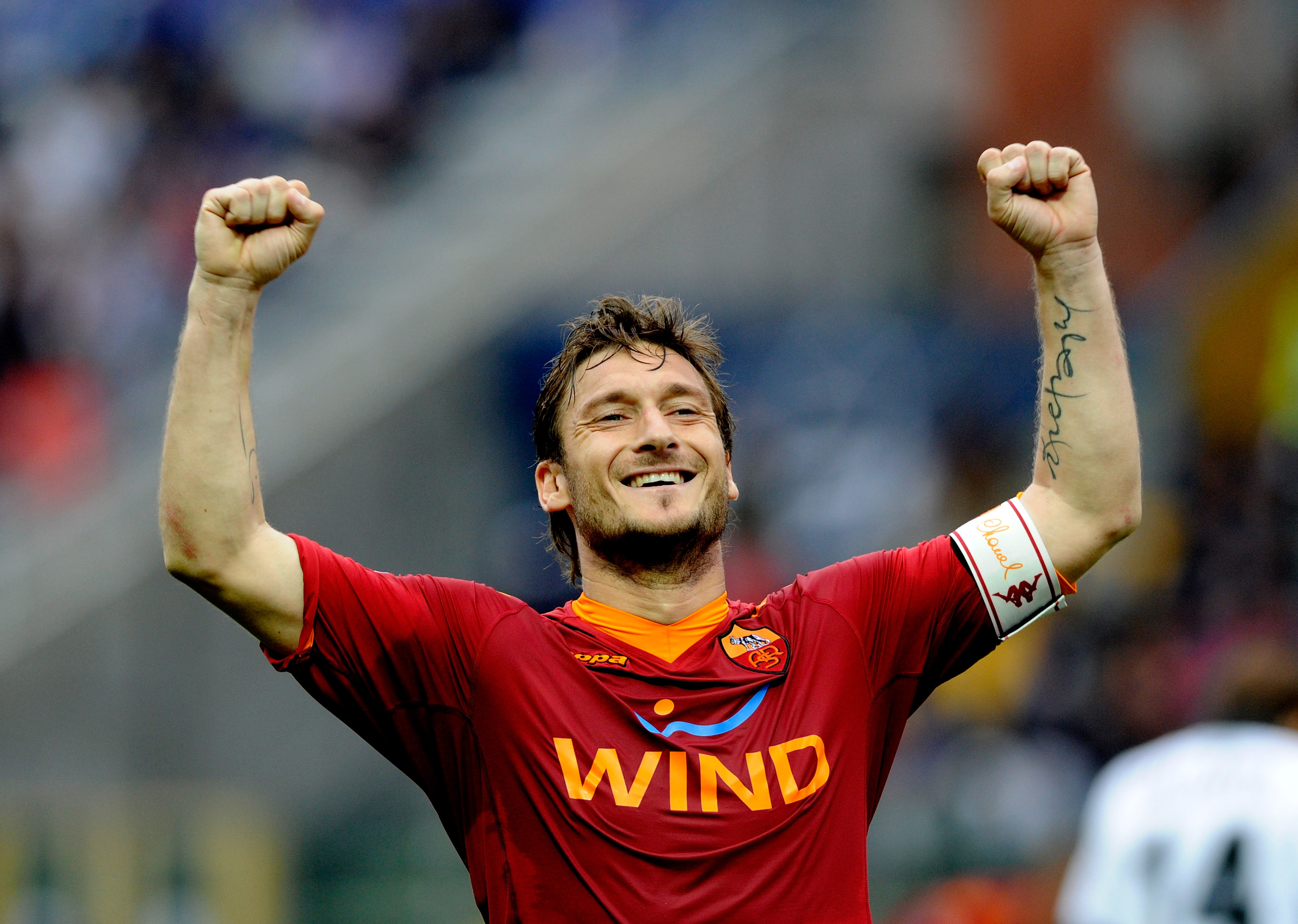 PARMA, ITALY - MAY 01:  Francesco Totti of AS Roma celebrates after the second goal during the Serie A match between  Parma FC and AS Roma at Stadio Ennio Tardini on May 1, 2010 in Parma, Italy.  (Photo by Claudio Villa/Getty Images)