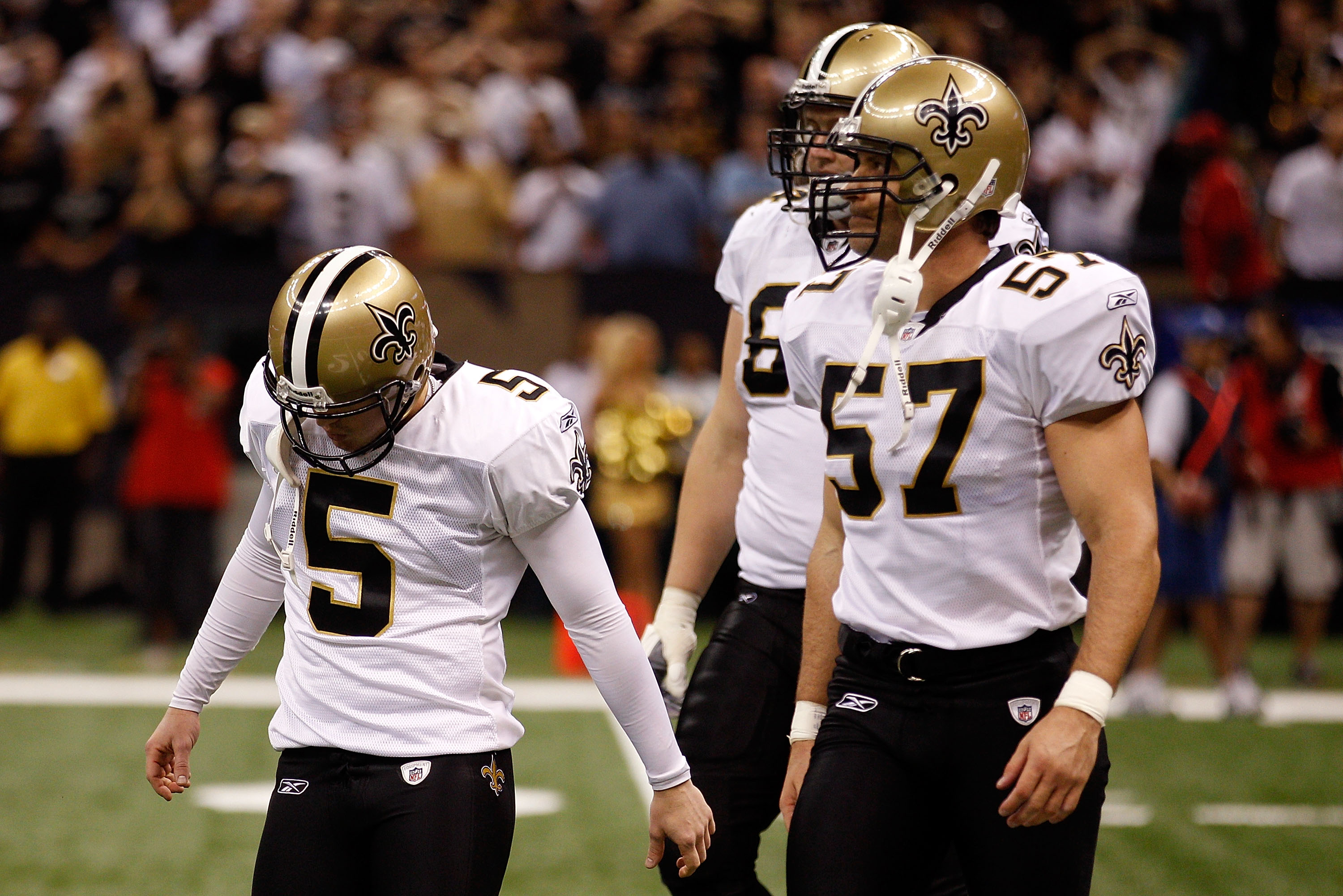 NEW ORLEANS - SEPTEMBER 26:  Garrett Hartley #5 of the New Orleans Saints reacts to missing a field goal in overtime against the Atlanta Falcons at the Louisiana Superdome on September 26, 2010 in New Orleans, Louisiana. The Falcons defeated the Saints 27