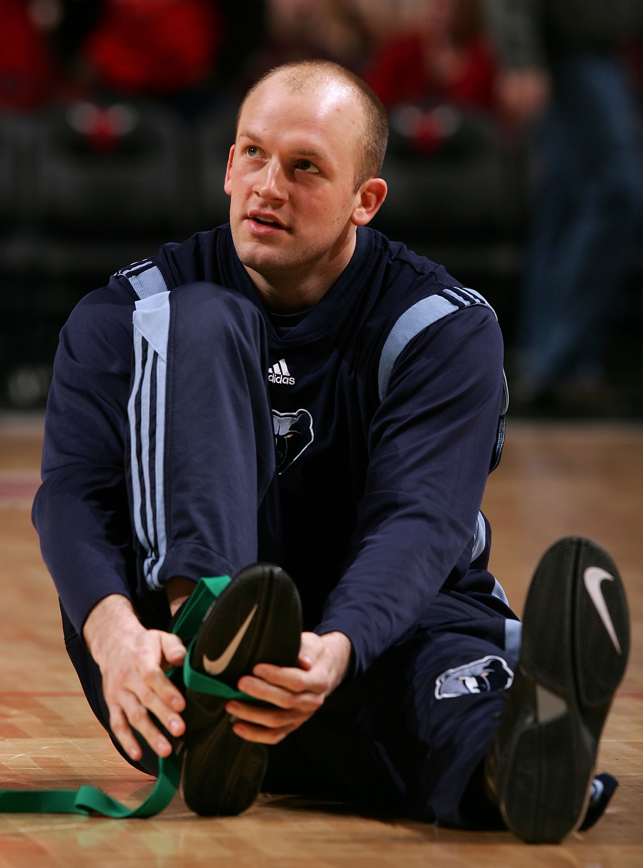 CHICAGO - JANUARY 13:  Brian Cardinal #35 of the Memphis Grizzlies stretches during warm-ups against the Chicago Bulls January 13, 2007 at the United Center in Chicago, Illinois. The Bulls won 111-66. NOTE TO USER: User expressly acknowledges and agrees t