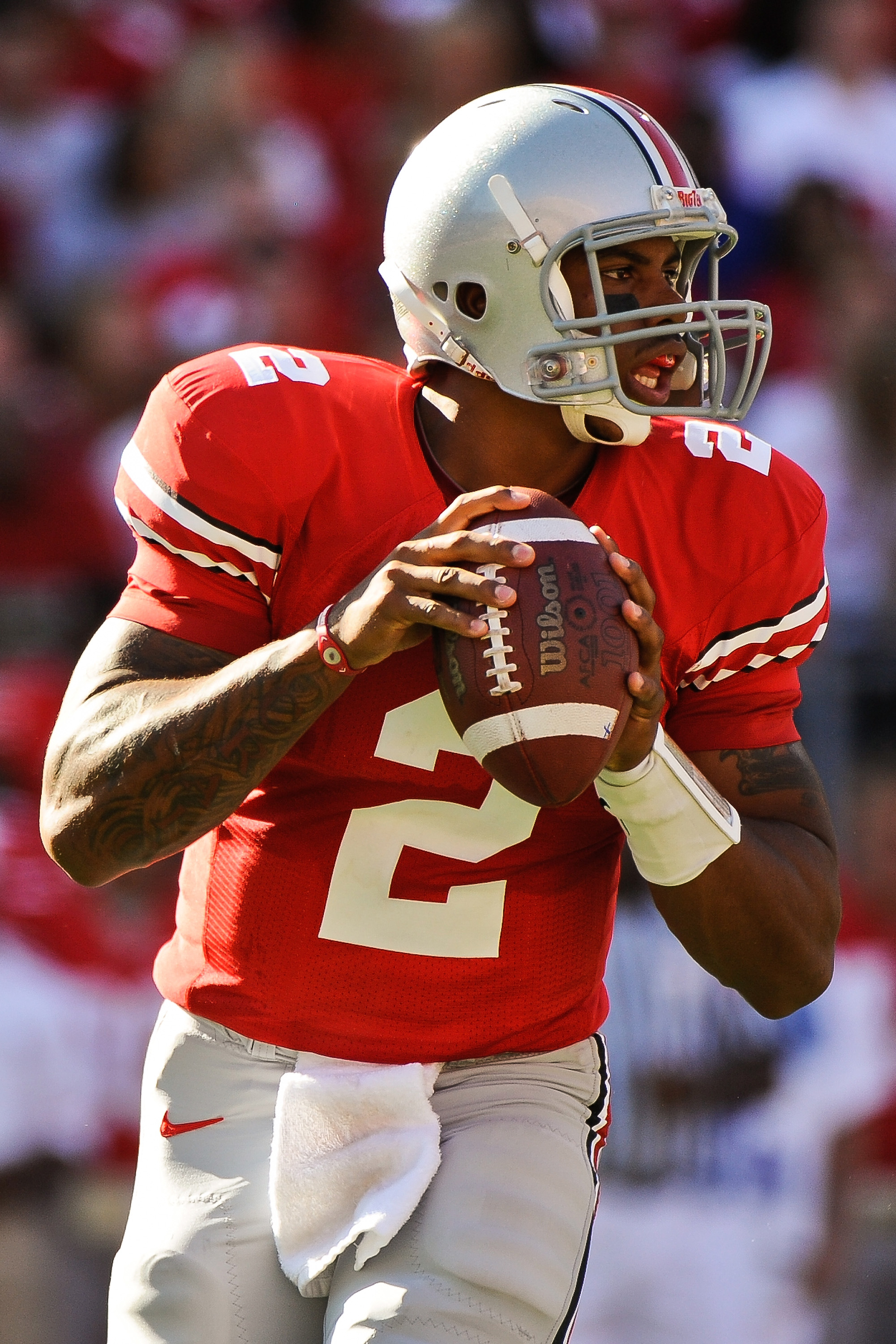 COLUMBUS, OH - SEPTEMBER 25:  Terrelle Pryor #2 of the Ohio State Buckeyes drops back to pass against the Eastern Michigan Eagles at Ohio Stadium on September 25, 2010 in Columbus, Ohio.  Ohio State won 73-20. (Photo by Jamie Sabau/Getty Images)