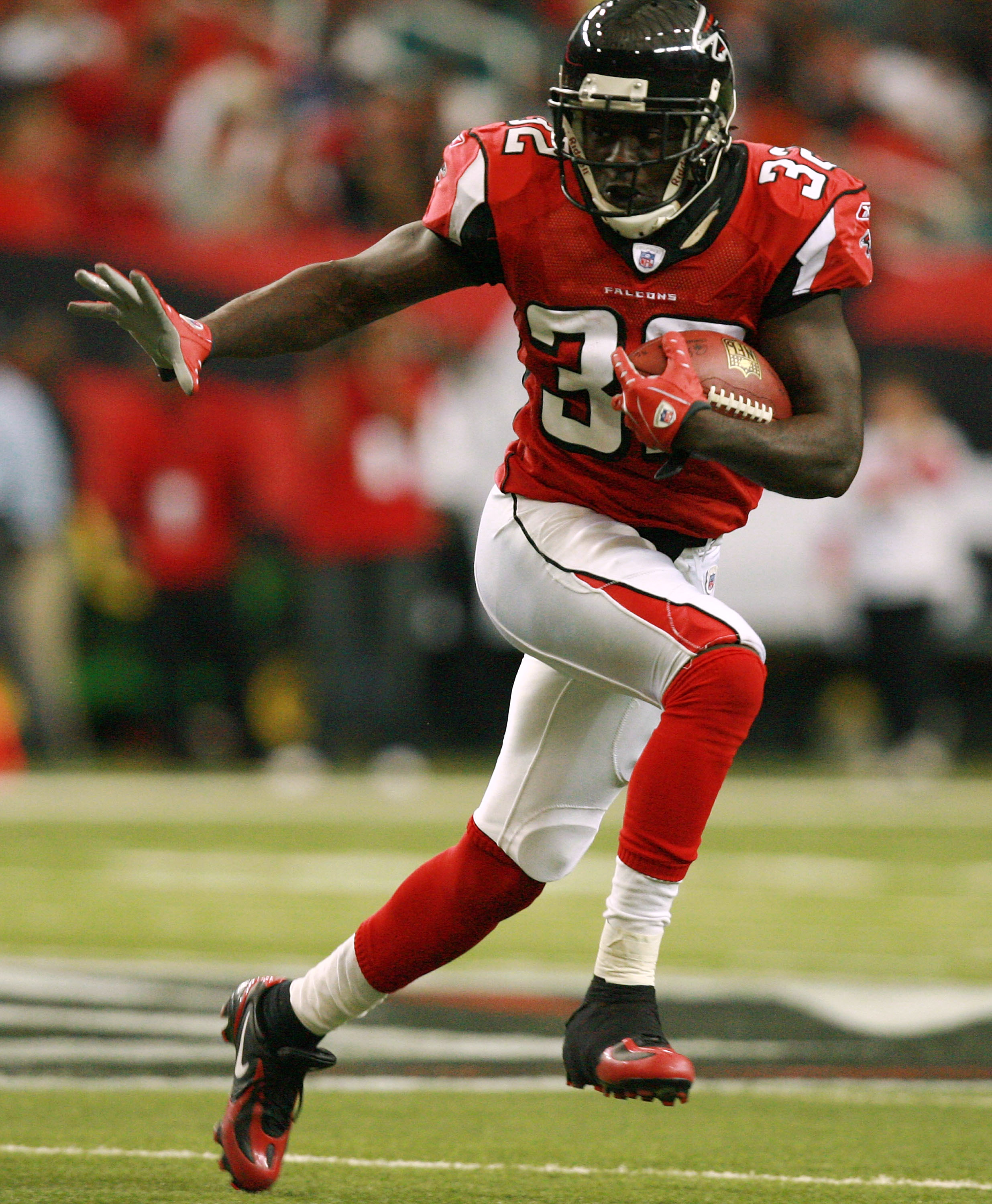 Falcon Jerious Norwood hopes to get more touches like this one on Sunday.
