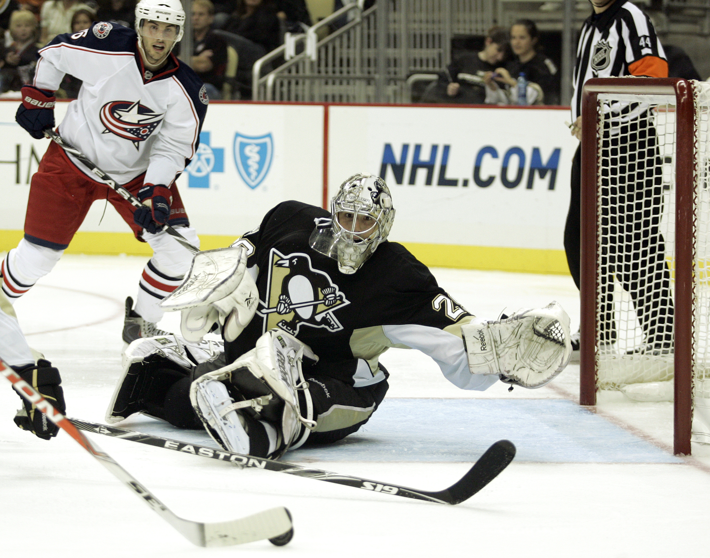 PITTSBURGH - SEPTEMBER 25:  Marc-Andre Fleury #29 of the Pittsburgh Penguins eyes the puck against the Columbus Blue Jackets at Consol Energy Center on September 25, 2010 in Pittsburgh, Pennsylvania.  (Photo by Justin K. Aller/Getty Images)