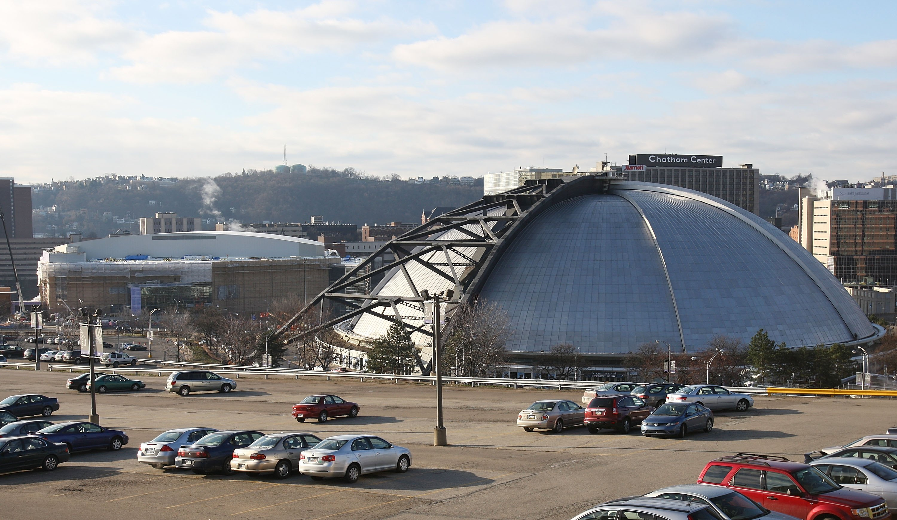 PITTSBURGH - DECEMBER 15:  The future home of the Pittsburgh Penguins, the Consol Energy Center in the background along with teh Mellon Arena in teh foreground as photographed on December 15, 2009 in Pittsburgh, Pennsylvania.  (Photo by Bruce Bennett/Gett