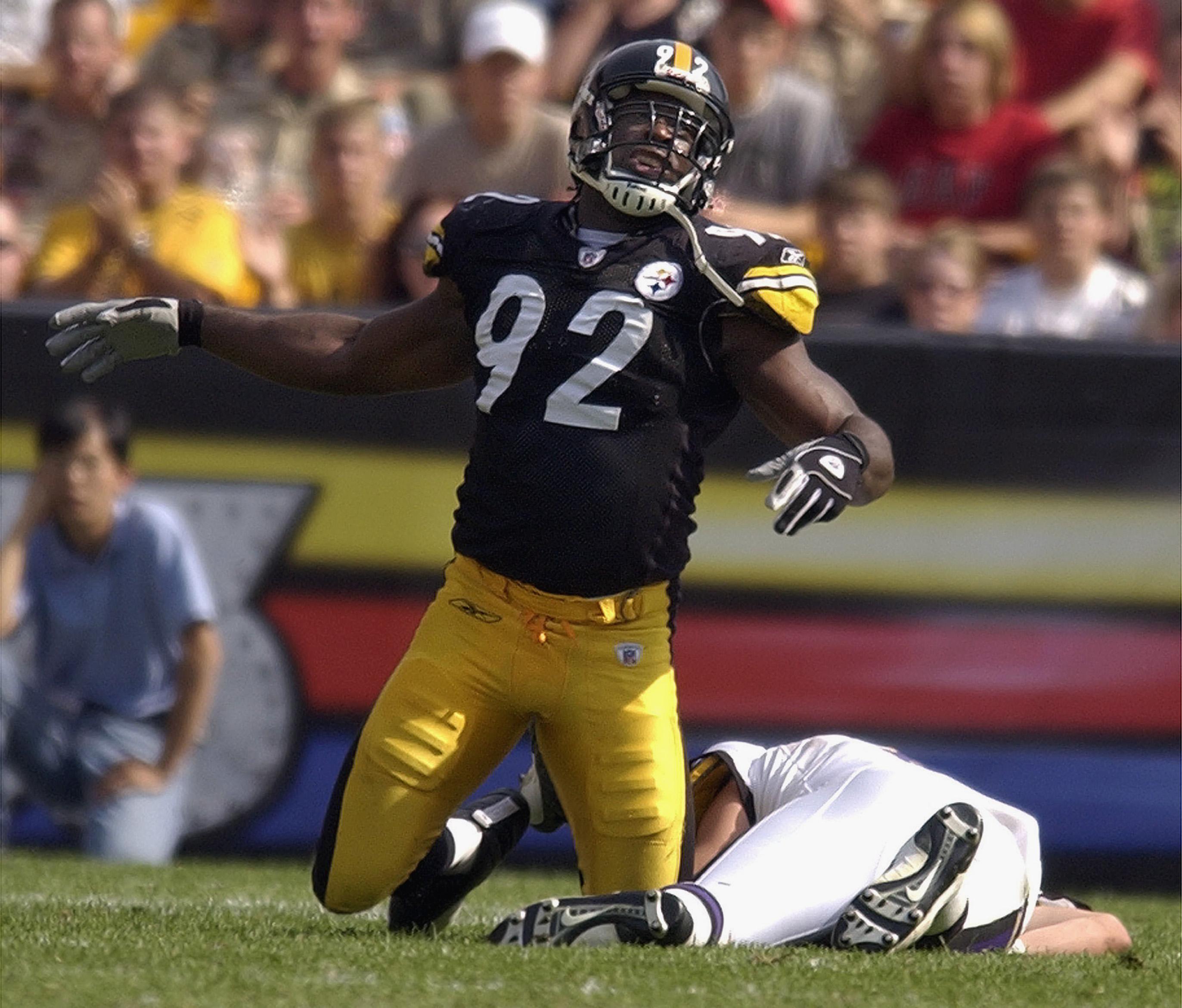 99634c3e8 PITTSBURGH - SEPTEMBER 7  Linebacker Jason Gildon  92 of the Pittsburgh  Steelers celebrates a