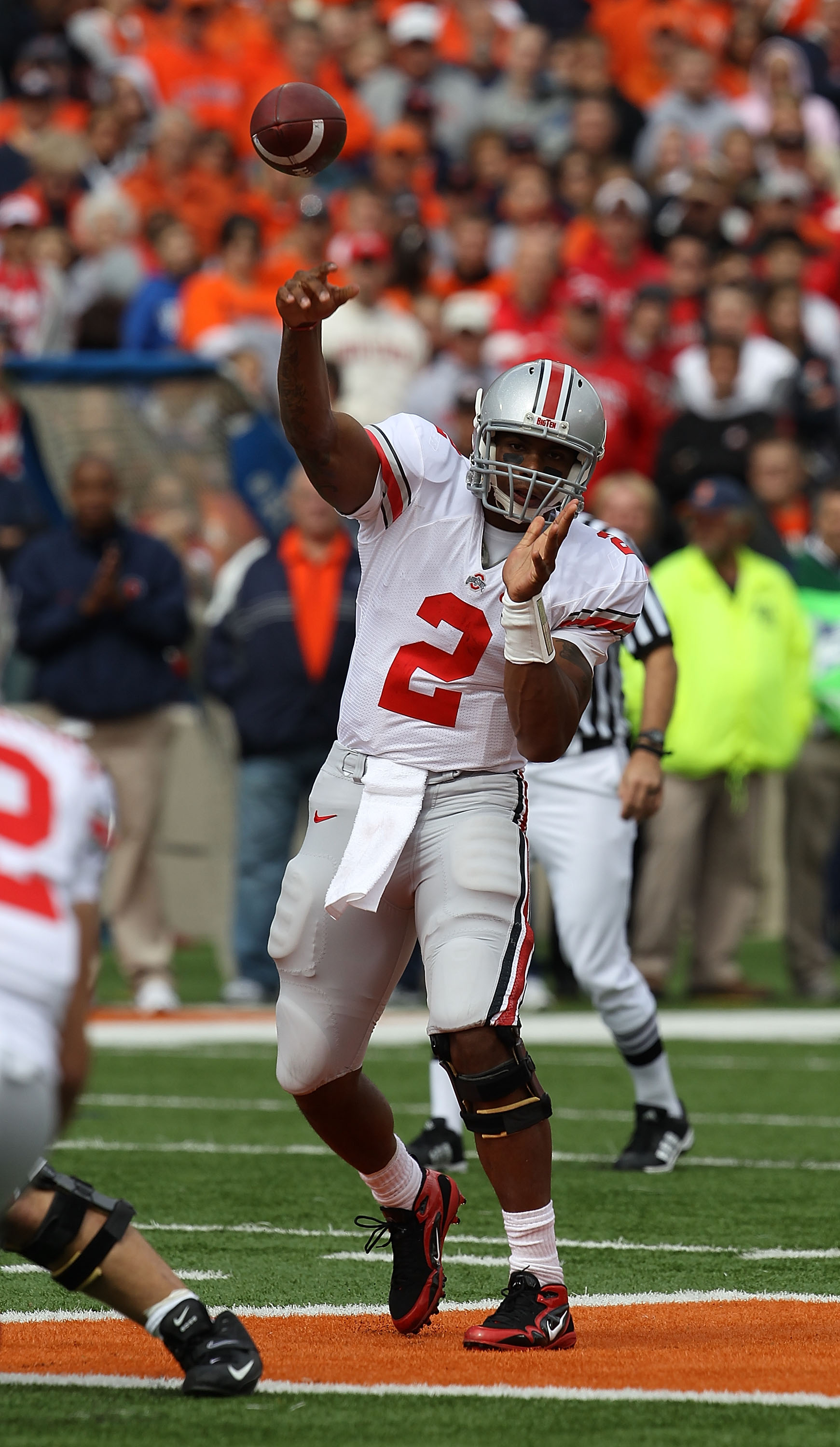 CHAMPAIGN, IL - OCTOBER 02: Terrelle Pryor #2 of the Ohio State Buckeyes throws a pass against the Illinois Fighting Illini at Memorial Stadium on October 2, 2010 in Champaign, Illinois. Ohio State defeated Illinois 24-13. (Photo by Jonathan Daniel/Getty