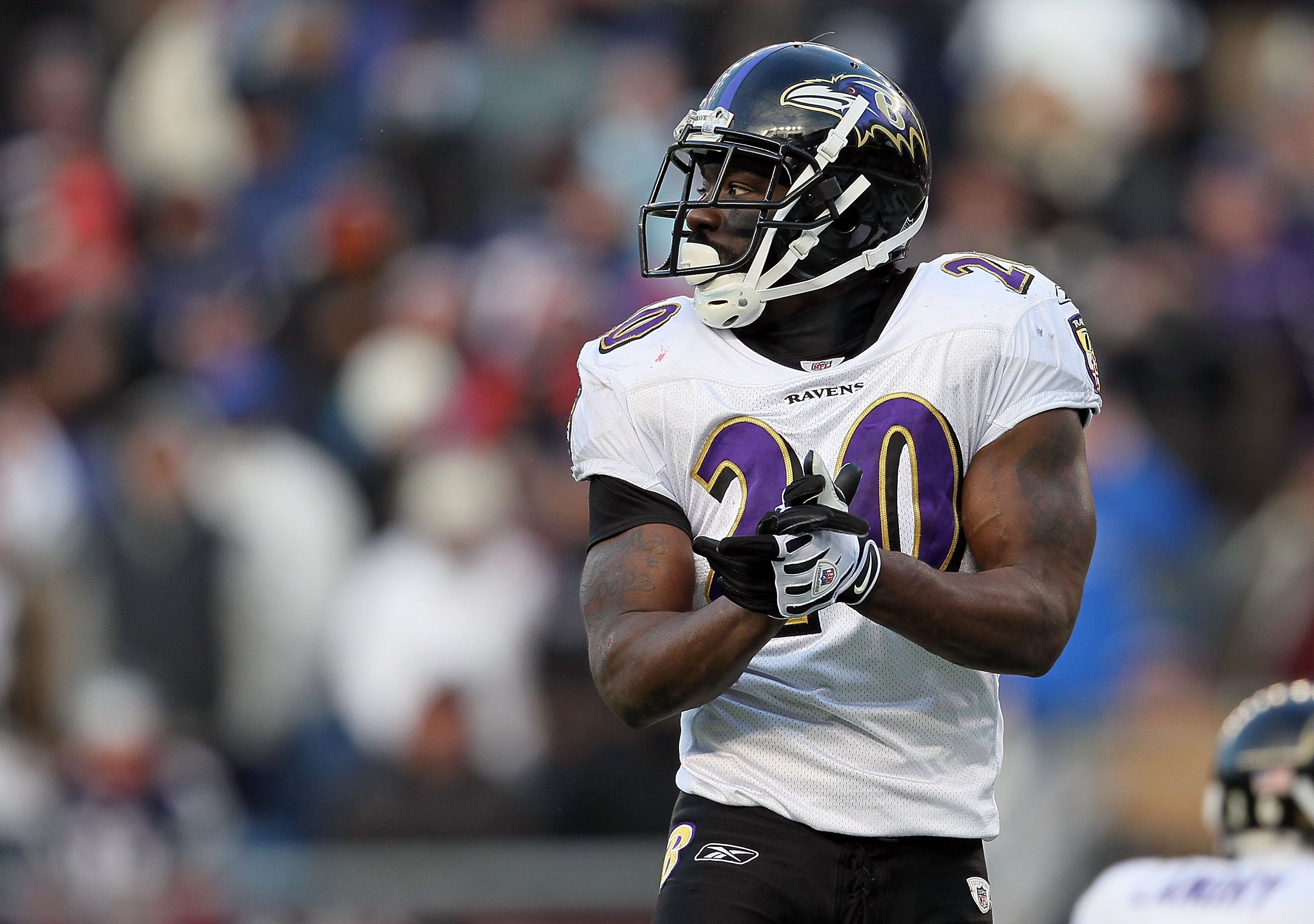FOXBORO, MA - JANUARY 10:  Ed Reed #20 of the Baltimore Ravens looks on against the New England Patriots during the 2010 AFC wild-card playoff game at Gillette Stadium on January 10, 2010 in Foxboro, Massachusetts.  (Photo by Jim Rogash/Getty Images)