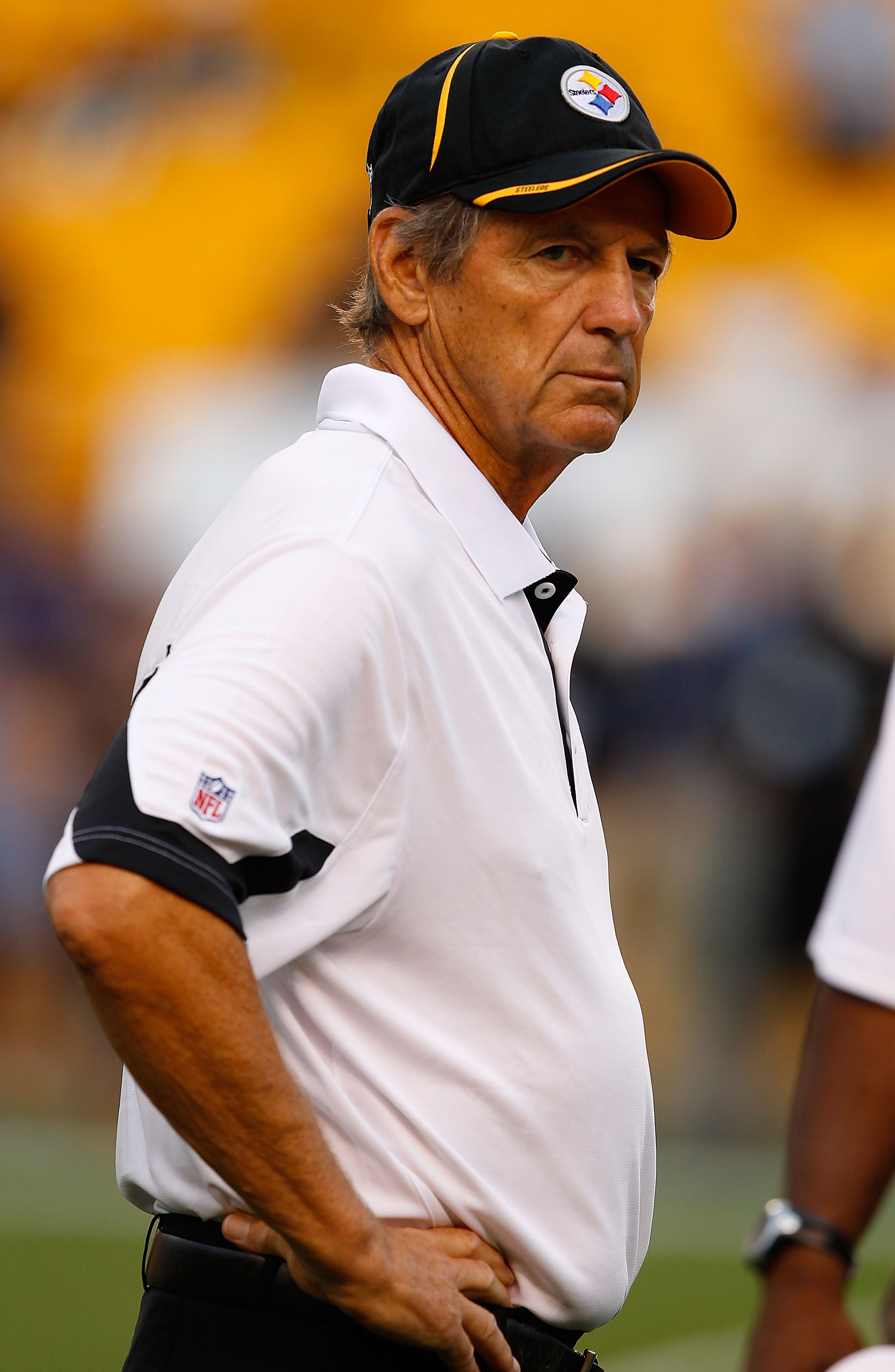 PITTSBURGH - AUGUST 14:  Defensive Coordinator Dick LeBeau of the Pittsburgh Steelers walks around prior to the preseason game against the Detroit Lions  on August 14, 2010 at Heinz Field in Pittsburgh, Pennsylvania.  (Photo by Jared Wickerham/Getty Image