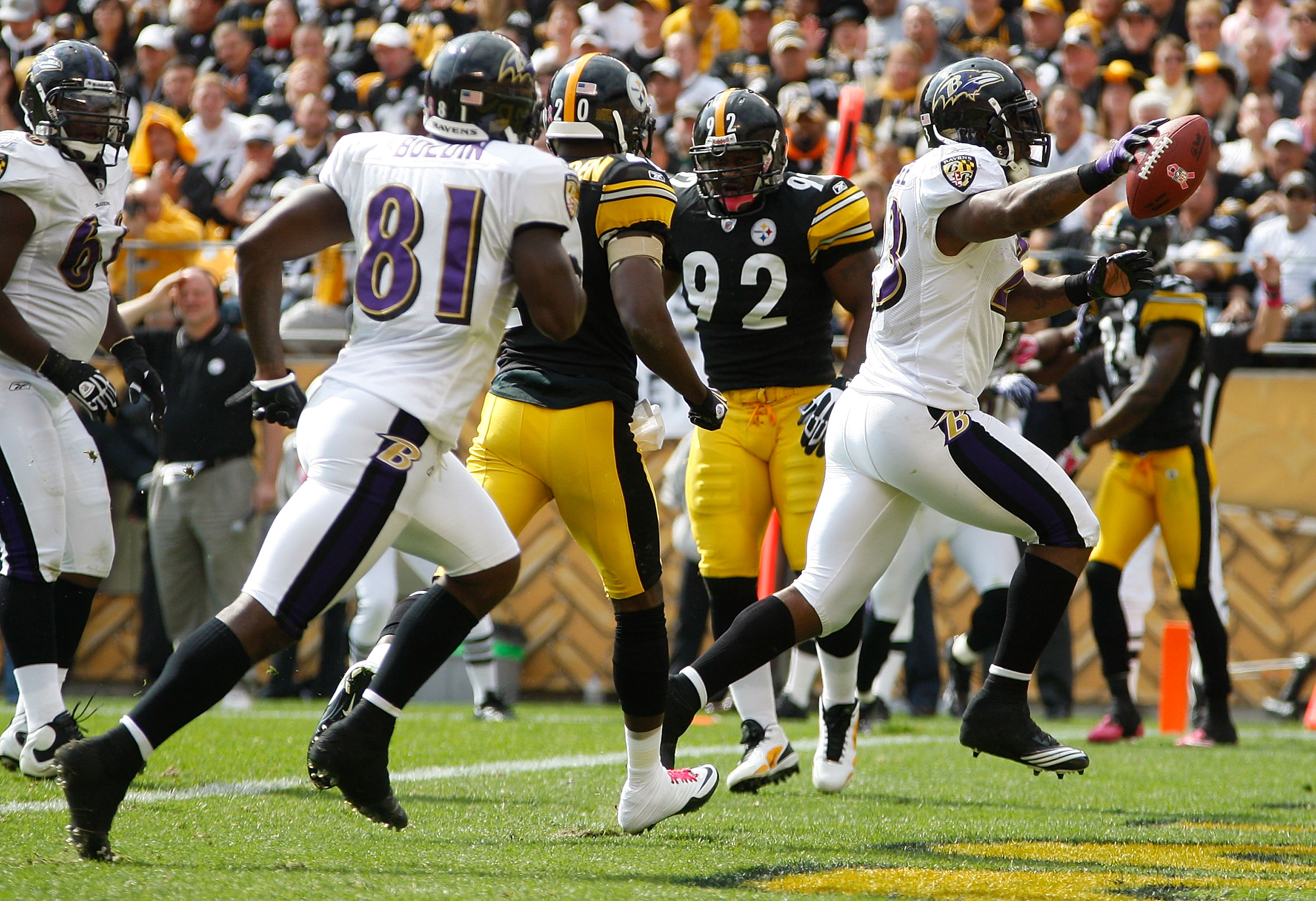 PITTSBURGH - OCTOBER 03:  Willis McGahee #23 of the Baltimore Ravens runs in for a touchdown against the Pittsburgh Steelers during the game on October 3, 2010 at Heinz Field in Pittsburgh, Pennsylvania.  (Photo by Jared Wickerham/Getty Images)
