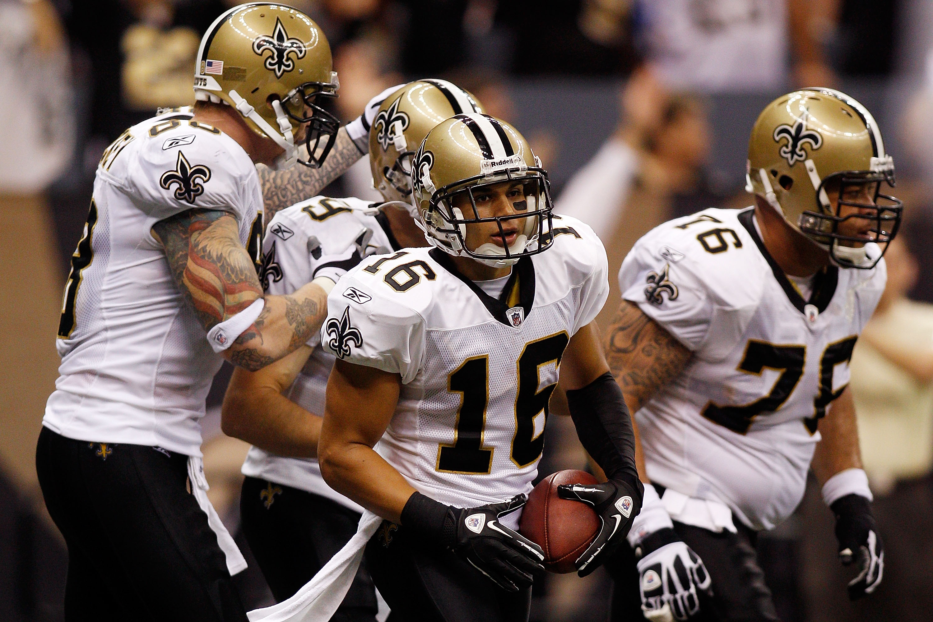 NEW ORLEANS - SEPTEMBER 26:  Lance Moore #16 of the New Orleans Saints celebrates after scoring a touchdown against the Atlanta Falcons at the Louisiana Superdome on September 26, 2010 in New Orleans, Louisiana.  (Photo by Chris Graythen/Getty Images)