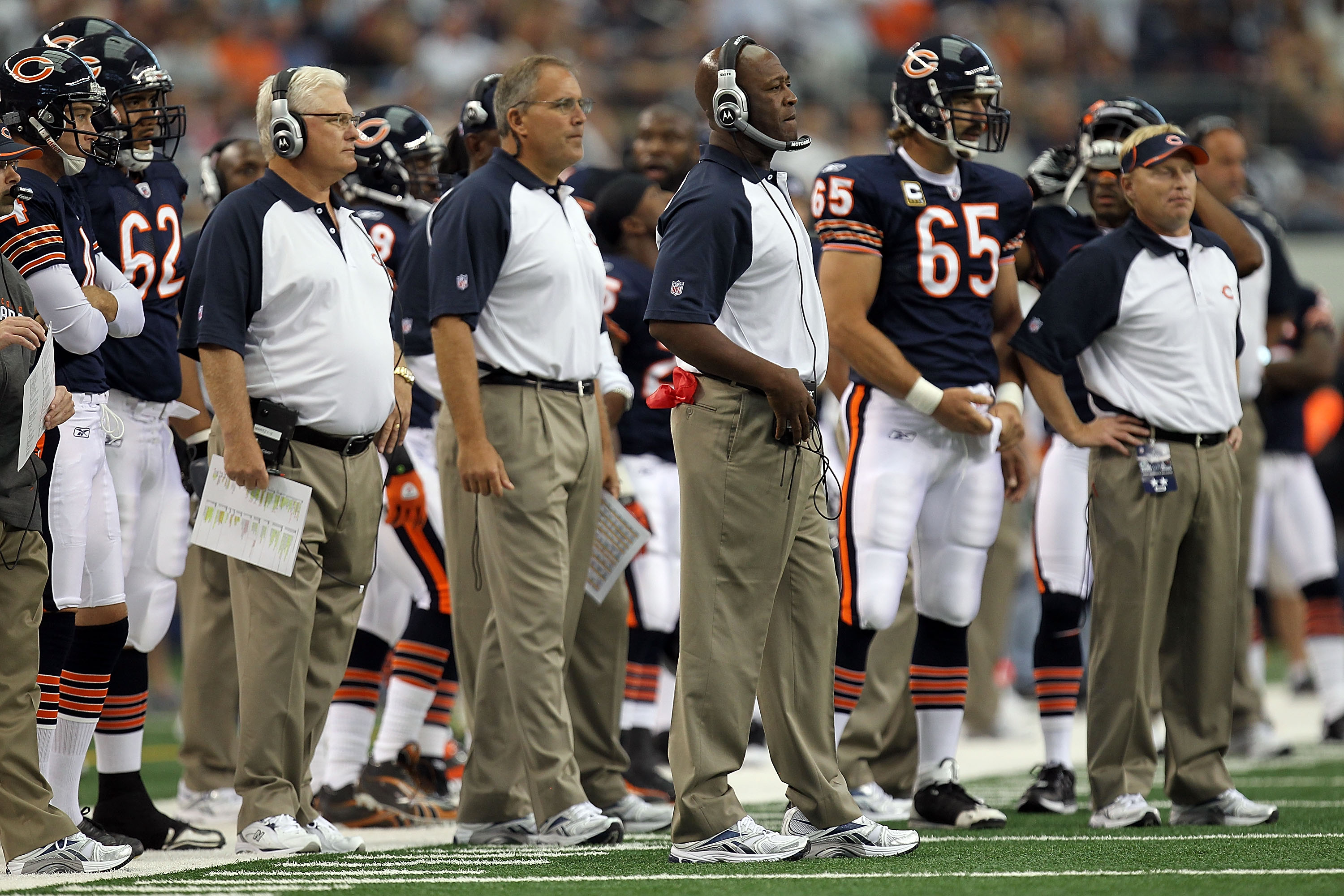 ARLINGTON, TX - SEPTEMBER 19:  Head coach Lovie Smith of the Chicago Bears during play against the Dallas Cowboys at Cowboys Stadium on September 19, 2010 in Arlington, Texas.  (Photo by Ronald Martinez/Getty Images)